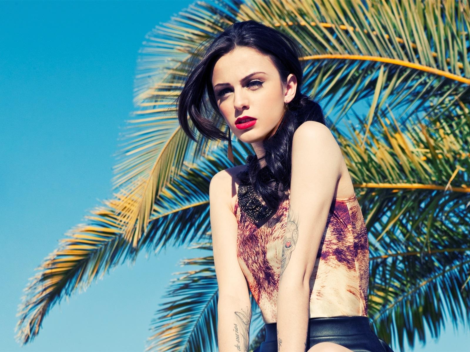Cher Lloyd 02 Wallpaper | 1600x1200 resolution wallpaper ...
