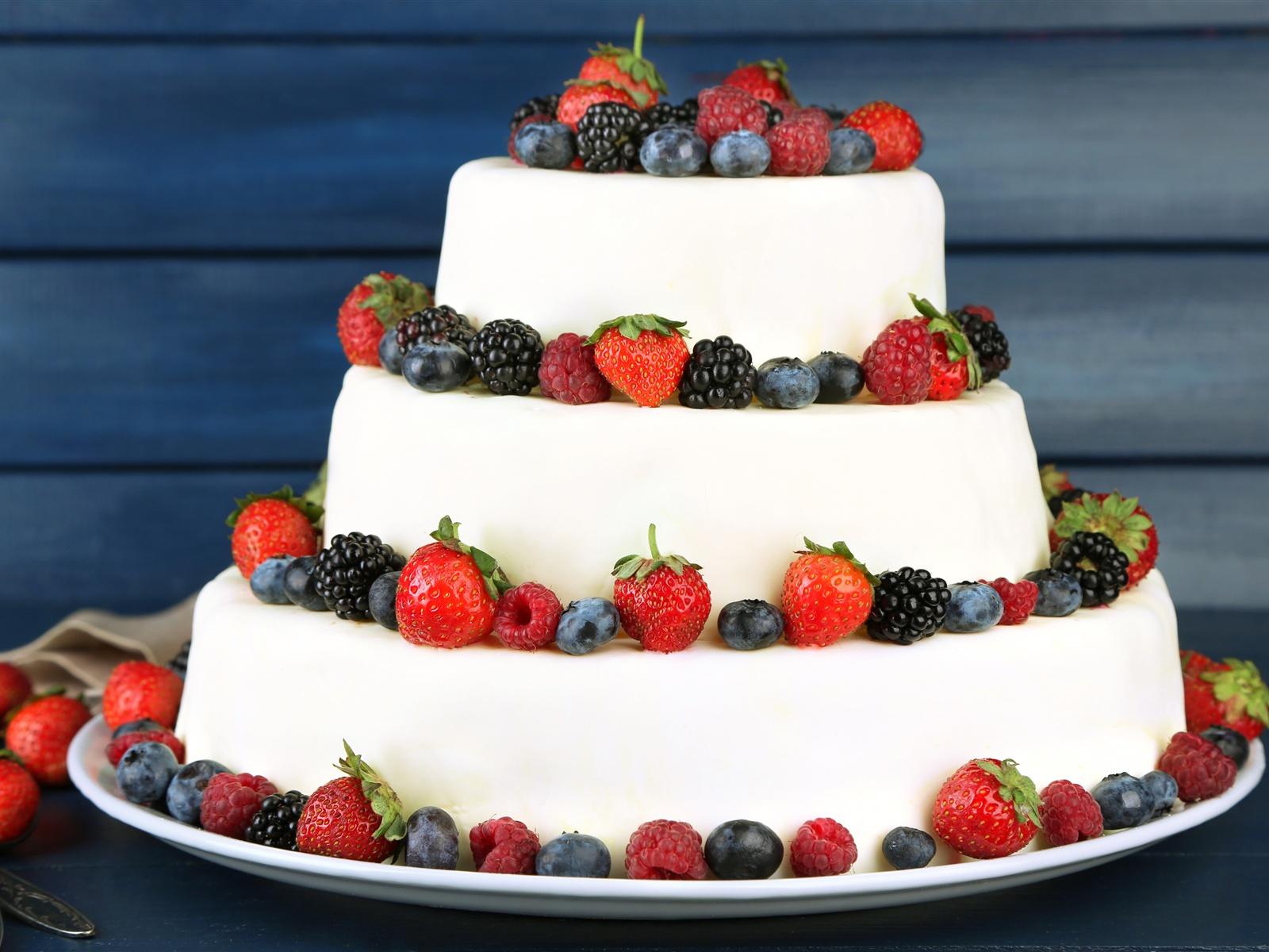 также добавил, картинка огромный торт на день рождения молодые растения