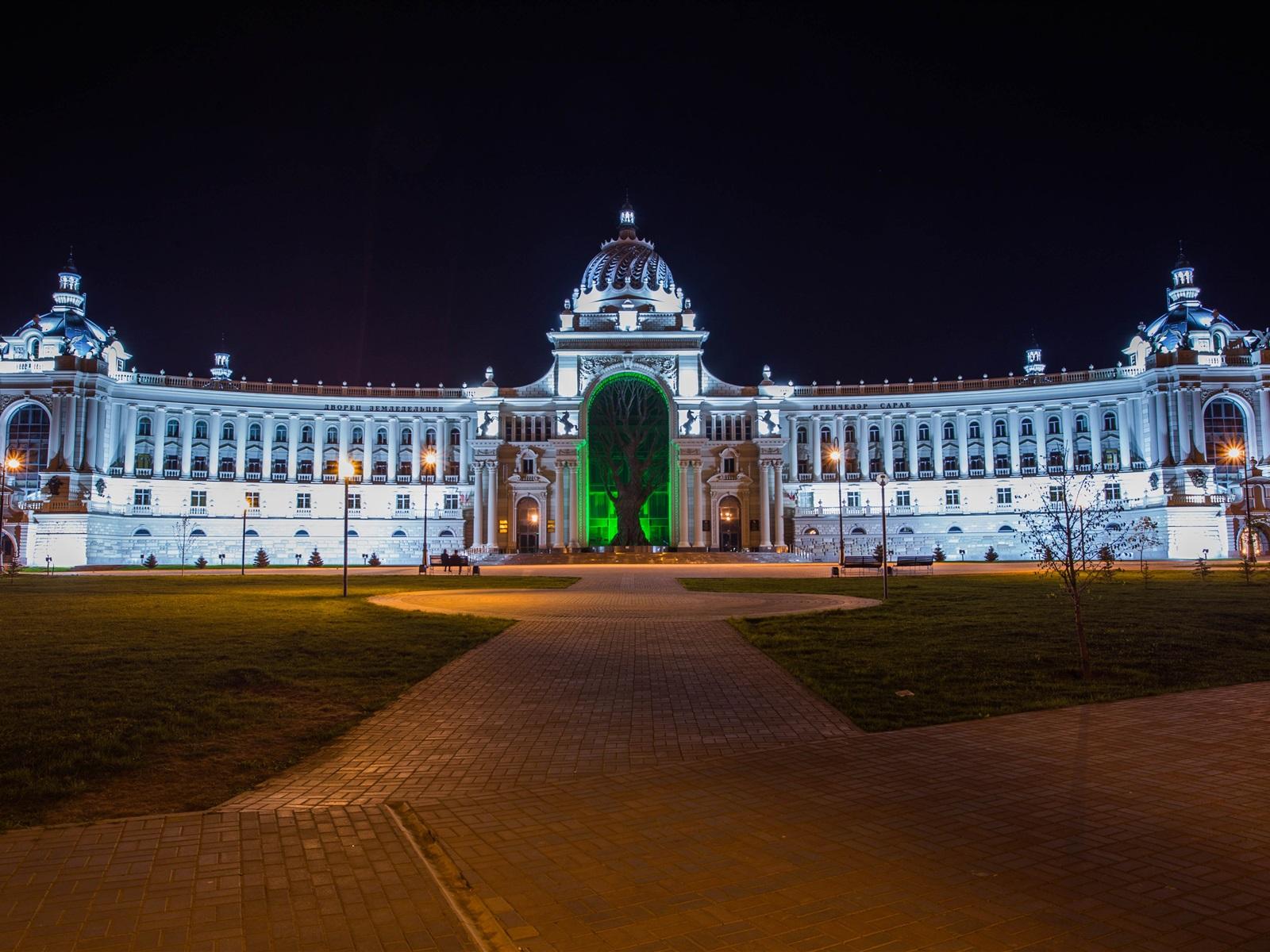 Wallpaper palace of farmers night lights kazan city tatarstan russia 3840x2160 uhd 4k - 4k wallpaper russia ...