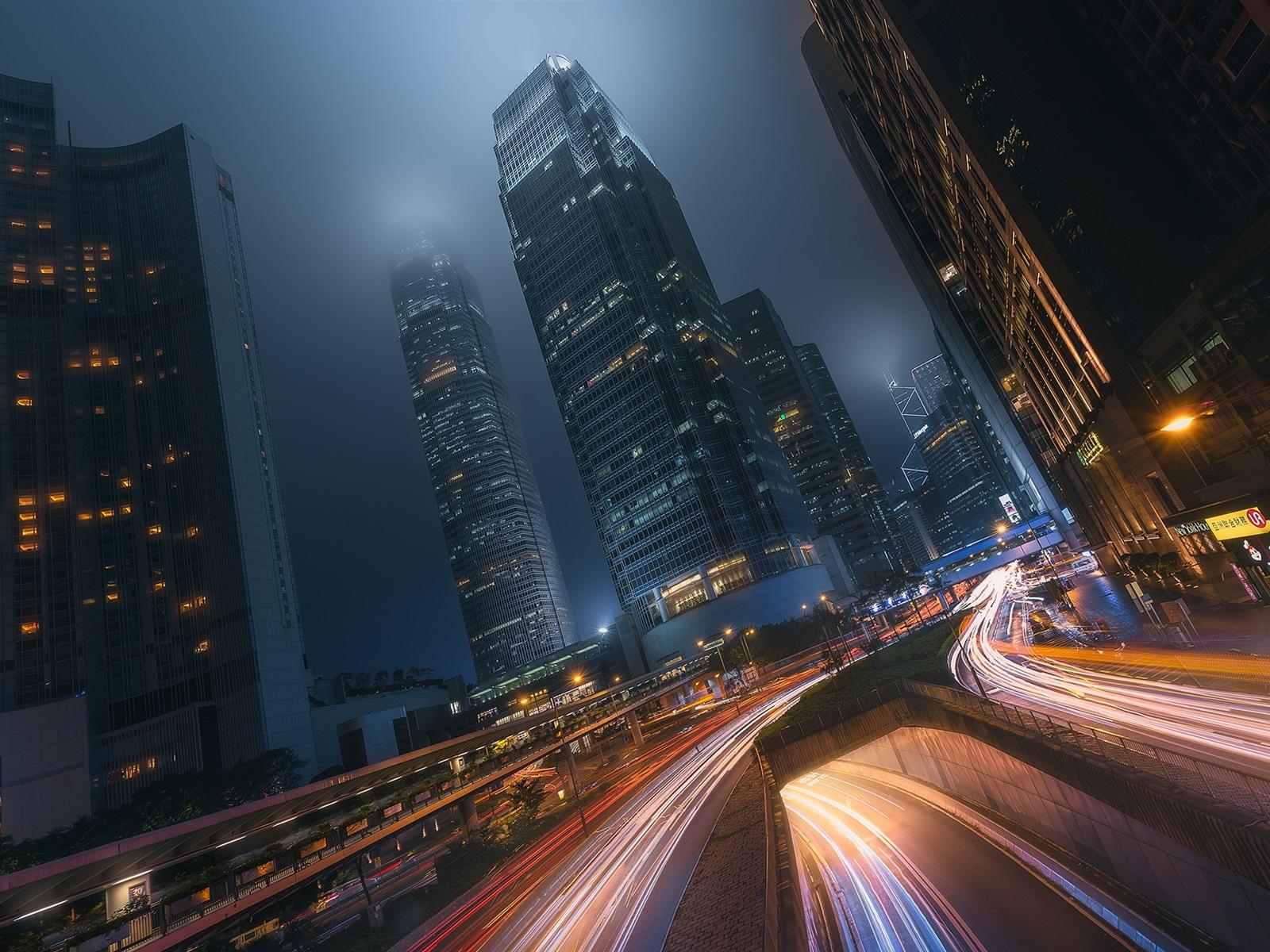 важно подготовить картинки для телефона огни ночного города белый мотылек