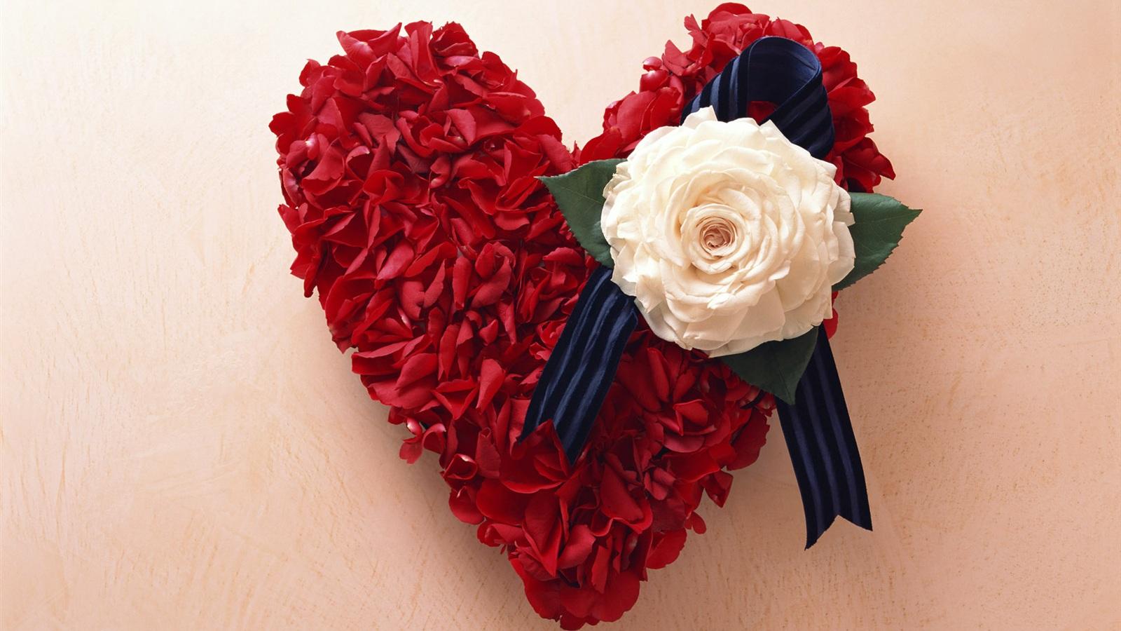 http://best-wallpaper.net/wallpaper/1600x900/1109/Rose-Love-Heart_1600x900.jpg