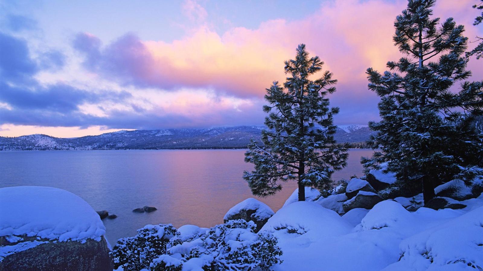 Lake at dusk in winter Wallpaper   1600x900 resolution ...