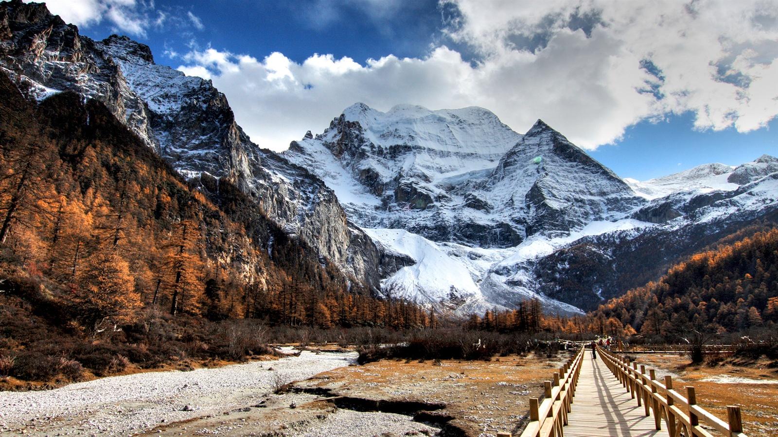 Montaña Nevada Hd: Fondos De Pantalla Camino A Las Montañas Cubiertas De
