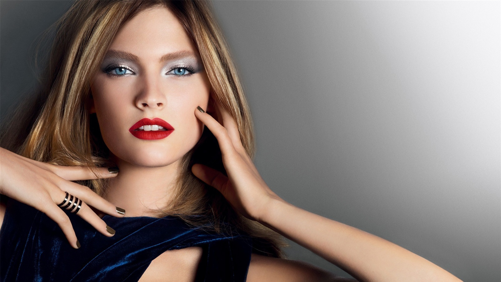 Fashion style make-up girl wallpaper - 1600x900