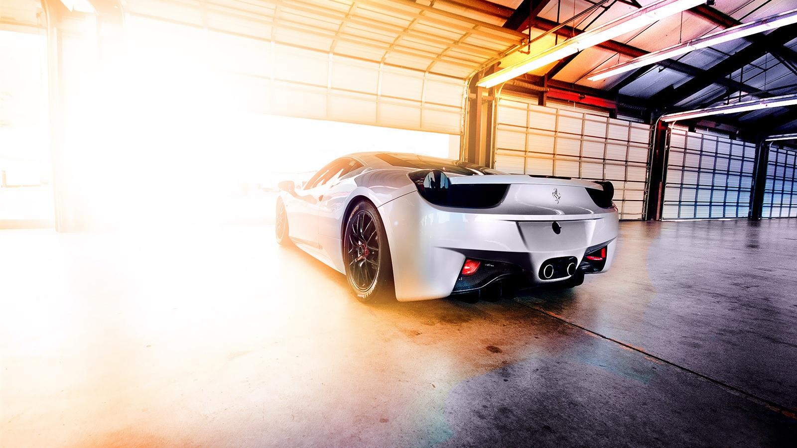 法拉利458眩光 壁纸 1600x900高清图片