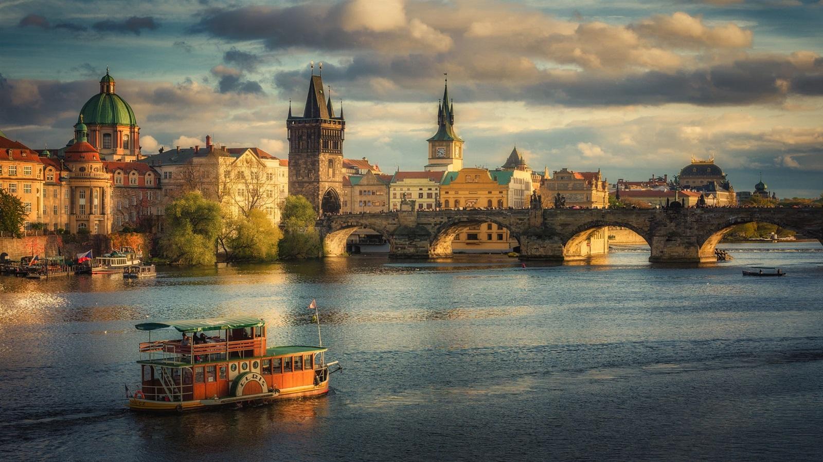 Прага  осенью ..