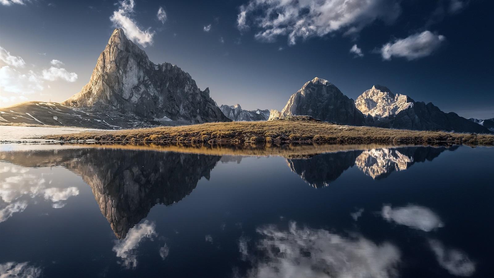 Fondos De Pantalla Montañas Lago Reflejo Del Agua Hierba
