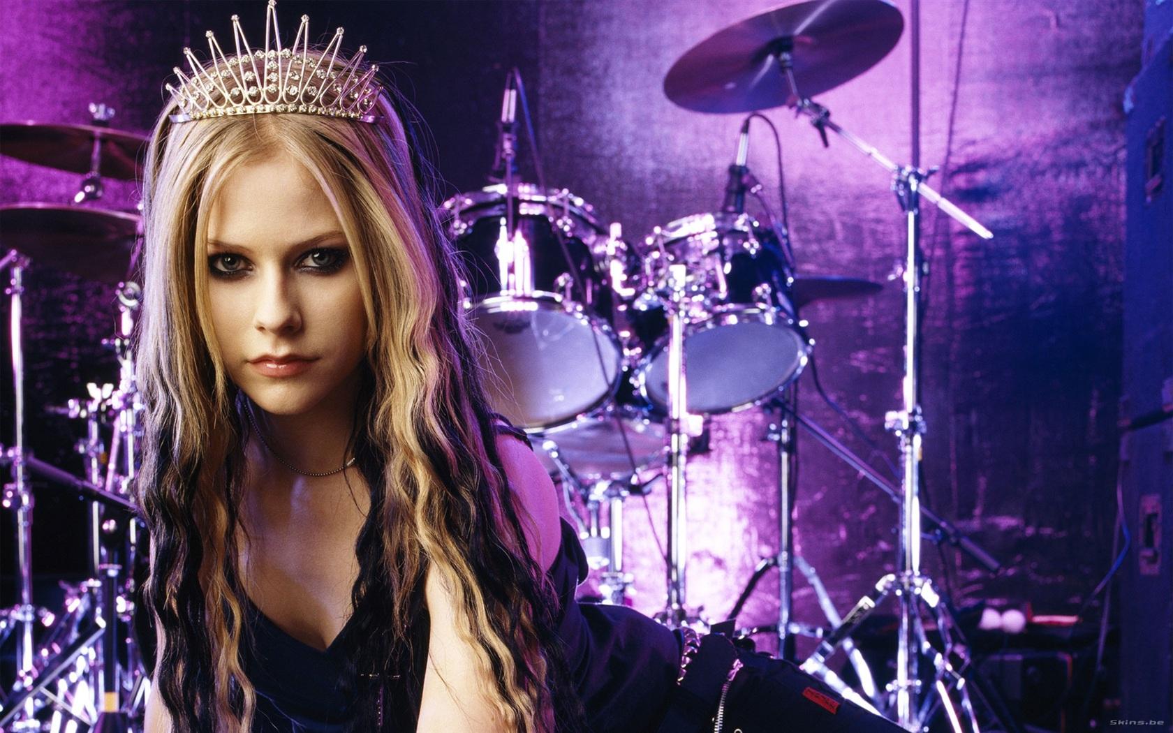Avril-Lavigne-08_1680x1050.jpg Avril Lavigne