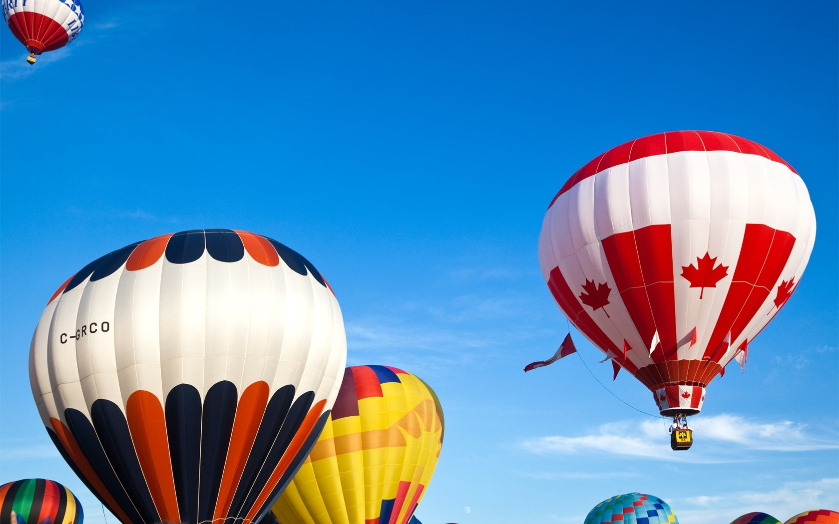 Download Wallpaper 1680x1050 Colorful hot air balloon HD ...