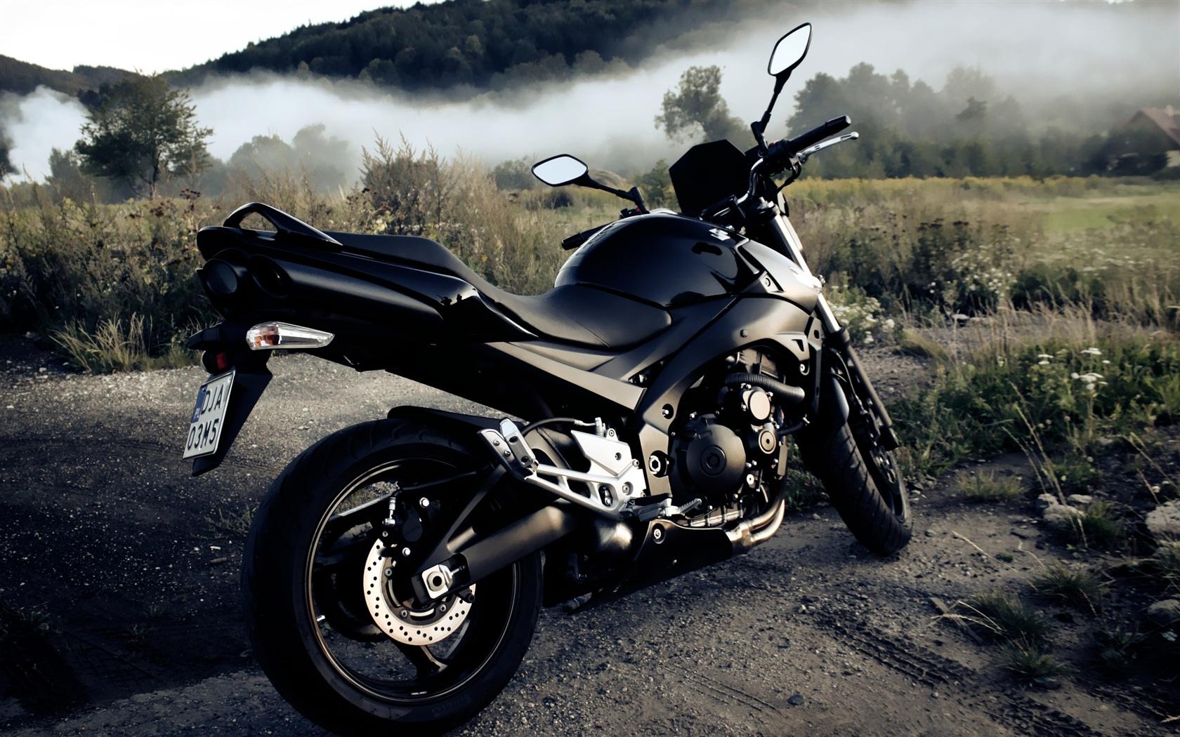 摩托车�:`'�fj9��:`(9.#�)��be�f_铃木gsxr 600摩托车 壁纸