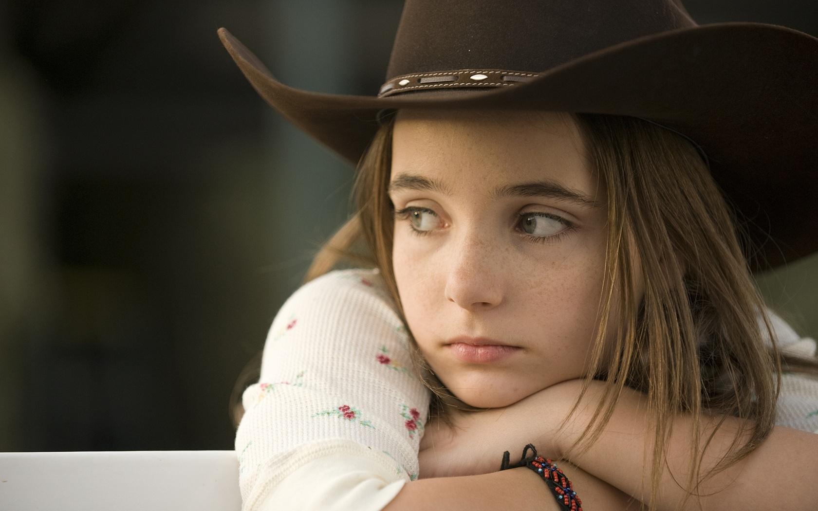 Triste petite fille Fonds d'écran - 1680x1050
