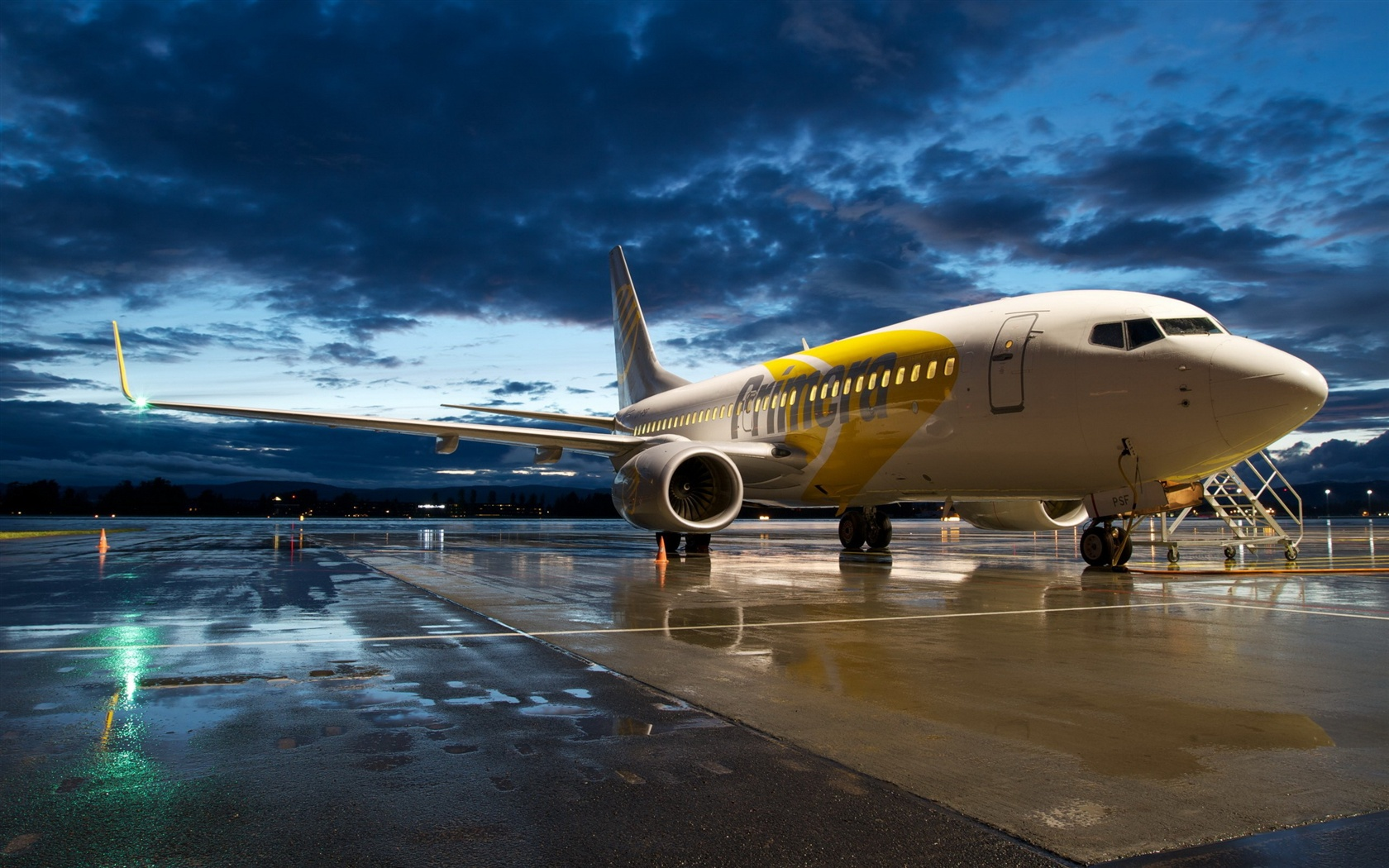 Wallpaper Aviation airport Boeing 737 aircraft 2560x1600 HD Picture, Image