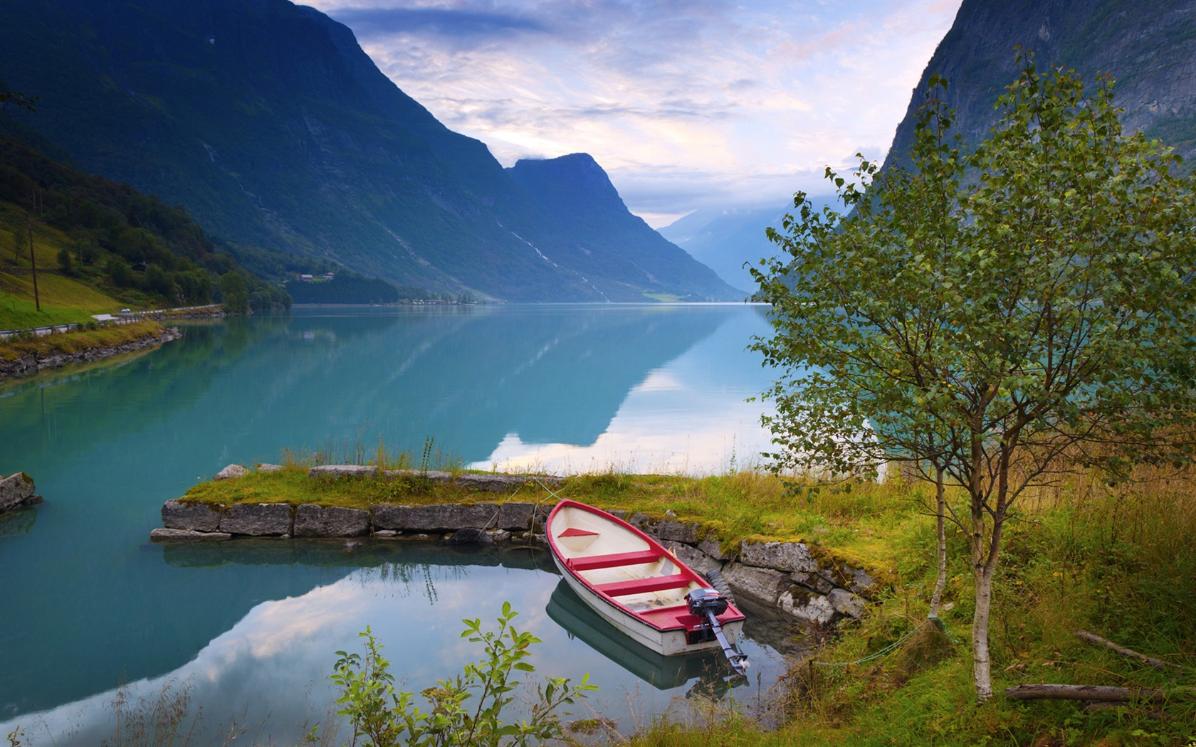 Download boat in the fjord 1920x1080 hd wallpaper - Norwegen Sch 246 Ne Natur Landschaft See Berge Wolken