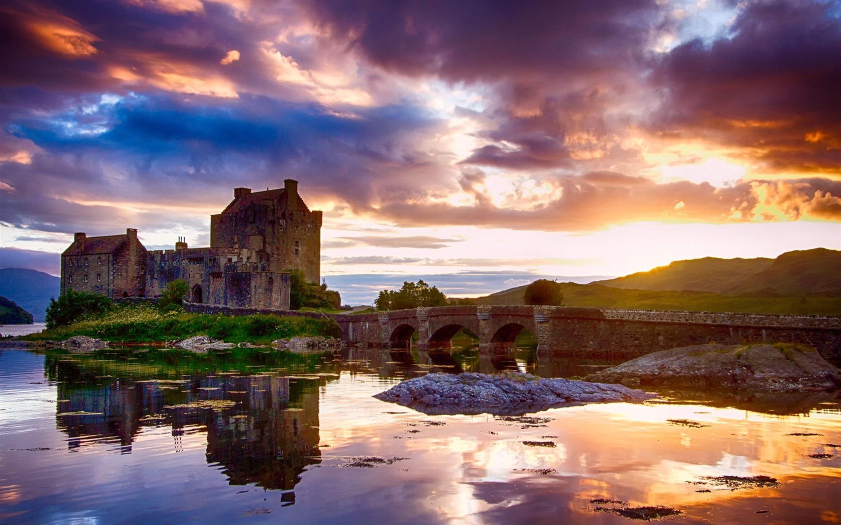 Schottland, Schloss, Wasser Reflexion, Himmel, Wolken