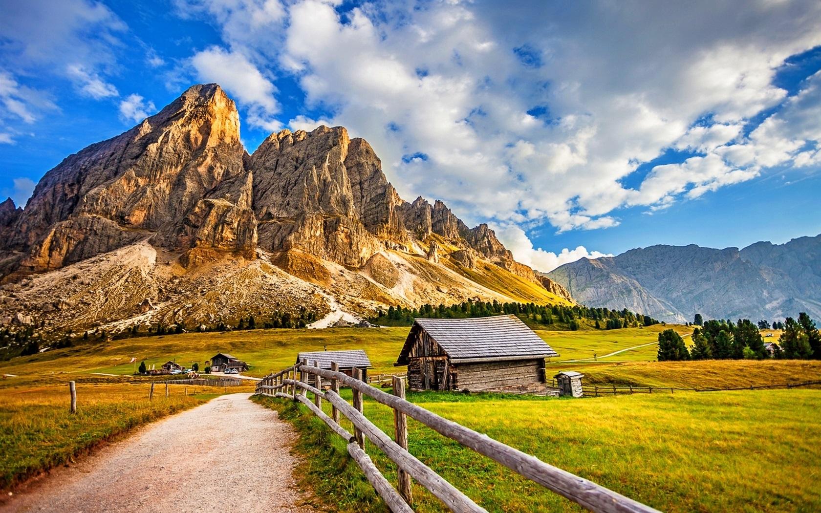 도로, 집, 울타리, 산, 잔디, 나무, 구름 배경 화면  1680x1050 배경 ...