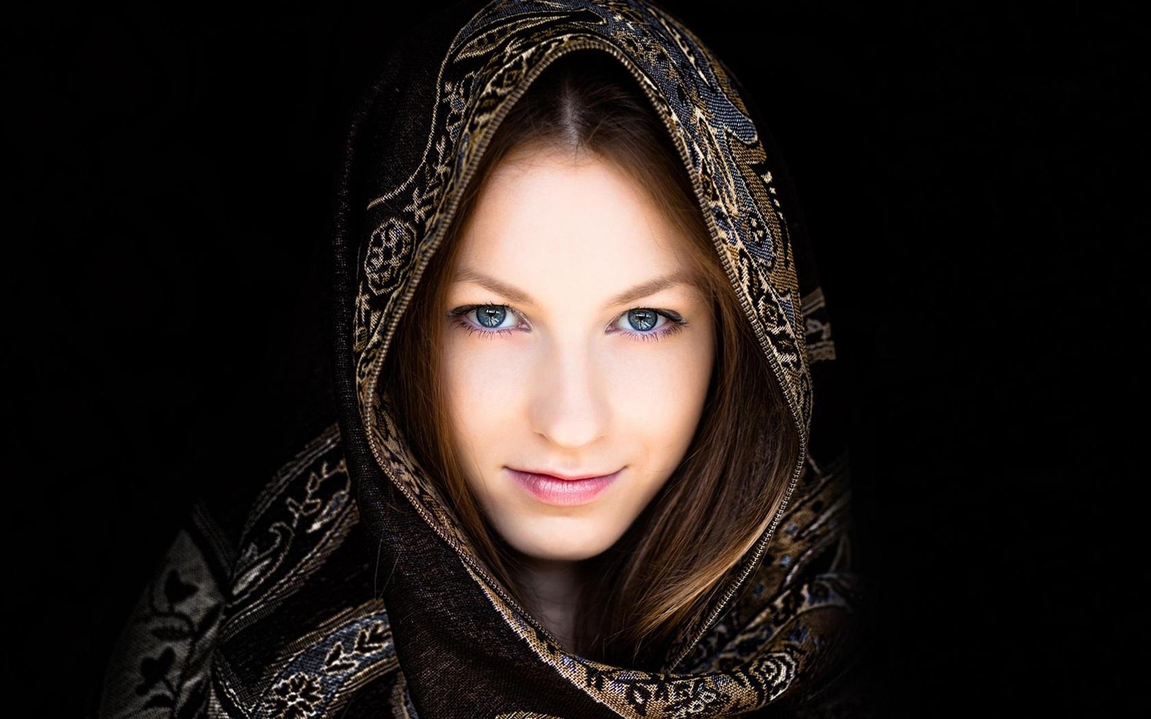 Fonds d 39 cran t l charger 1680x1050 fille portrait for Fond ecran portrait