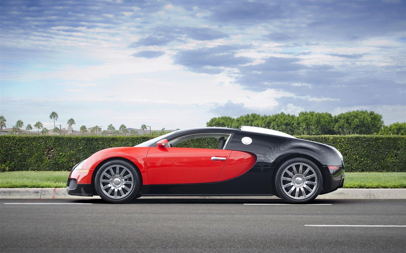bugatti veyron supersportwagen rot schwarz. Black Bedroom Furniture Sets. Home Design Ideas