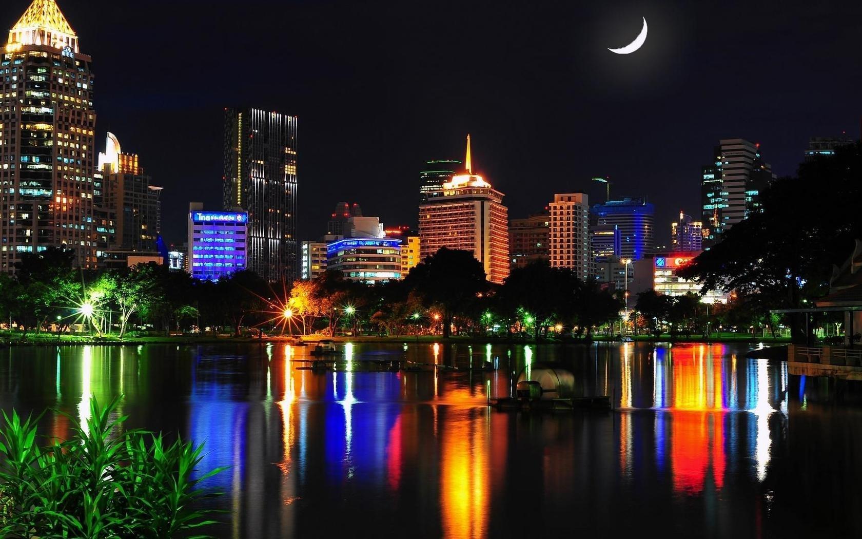 壁紙 バンコク タイ 都市の夜 建物 家 ライト 湖 夜 1680x1050