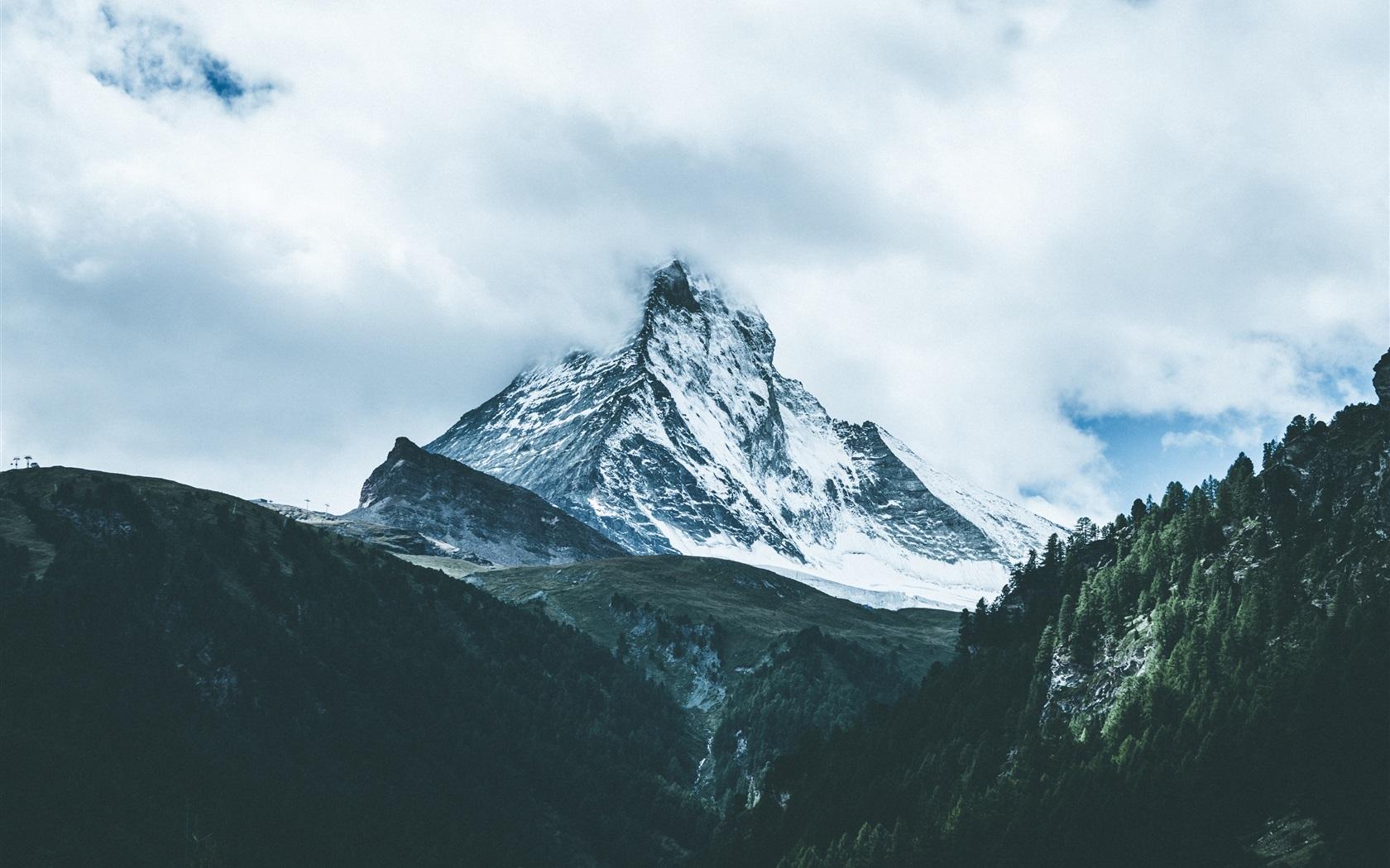 山,高峰,下雪,云,雾 壁纸