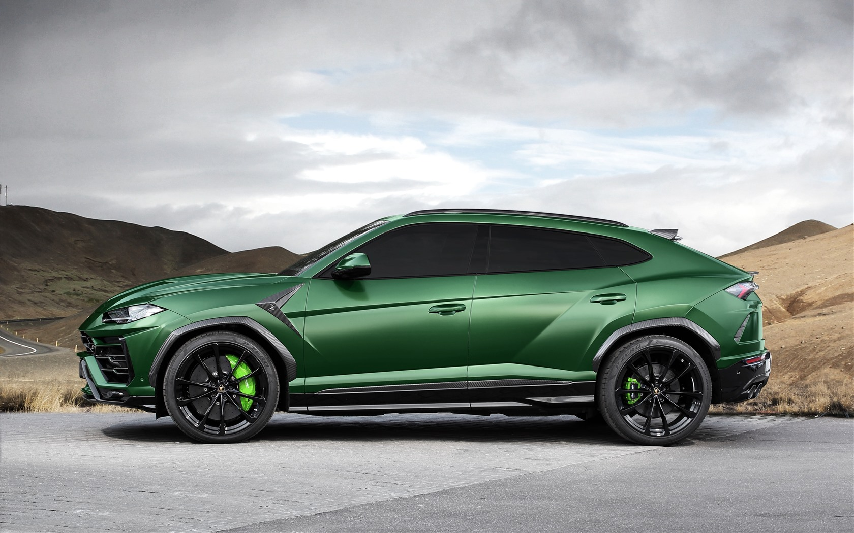 Urus 2018 suv 1242x2688 iphone xs max - Car side view wallpaper ...