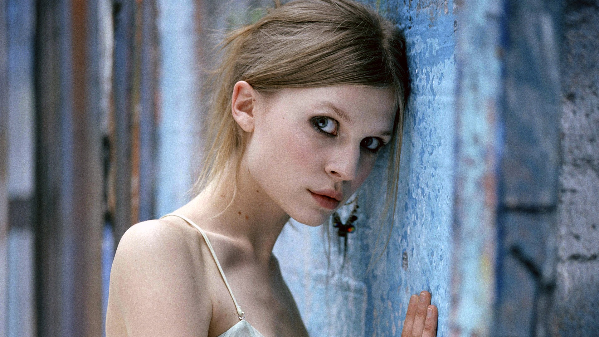 Wallpaper clemence poesy 01 1920x1200 hd picture image widescreen voltagebd Images