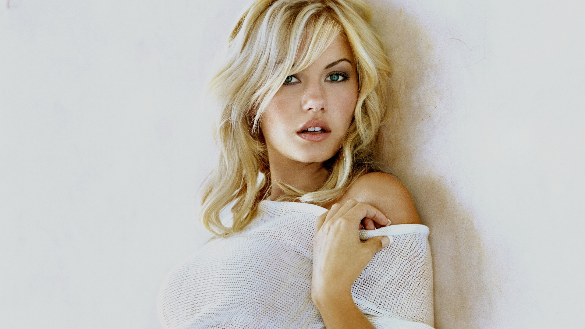 Wallpaper Elisha Cuthbert 04 1920x1200 Hd Picture Image