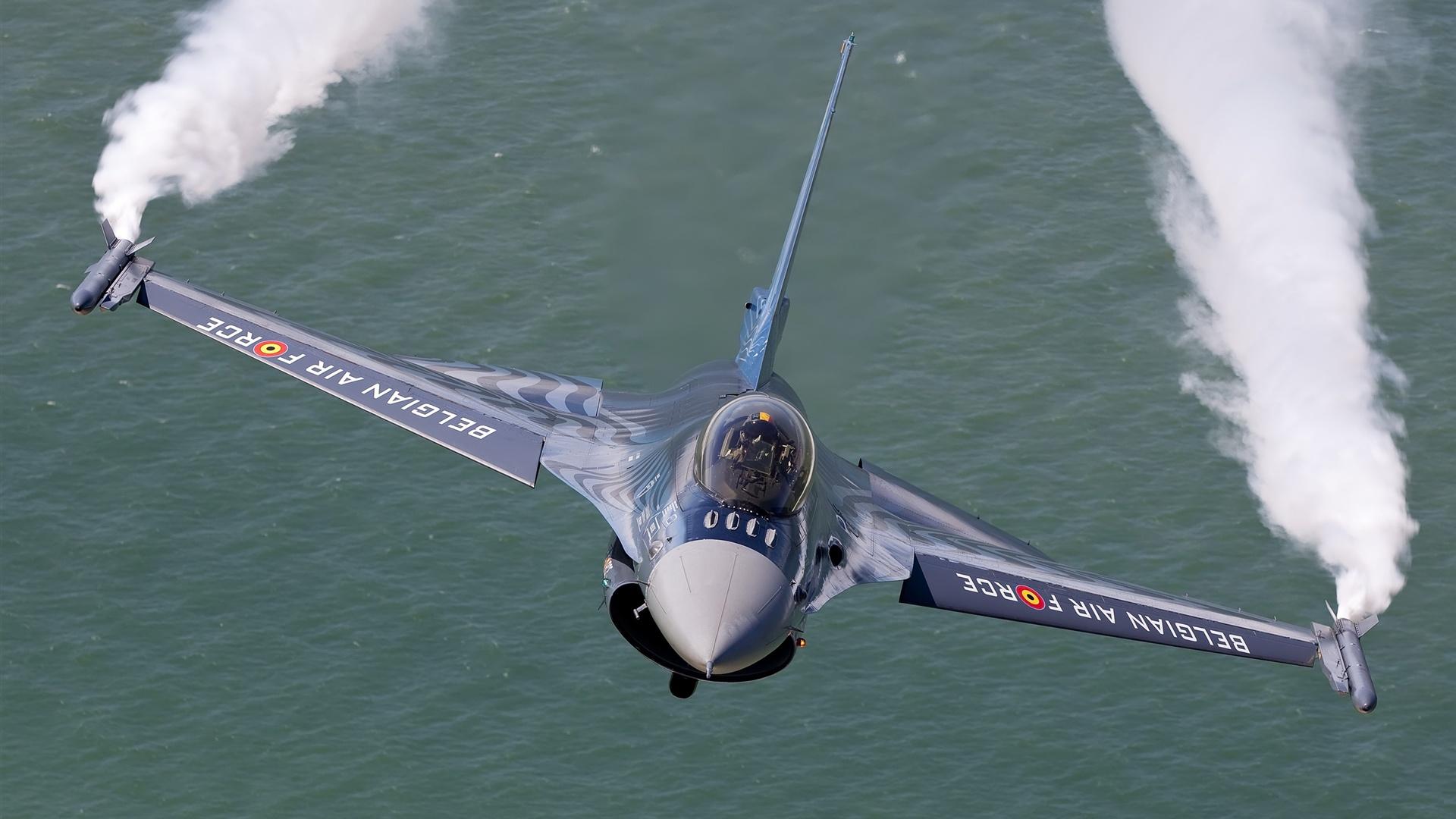 F 16 (戦闘機)の画像 p1_36