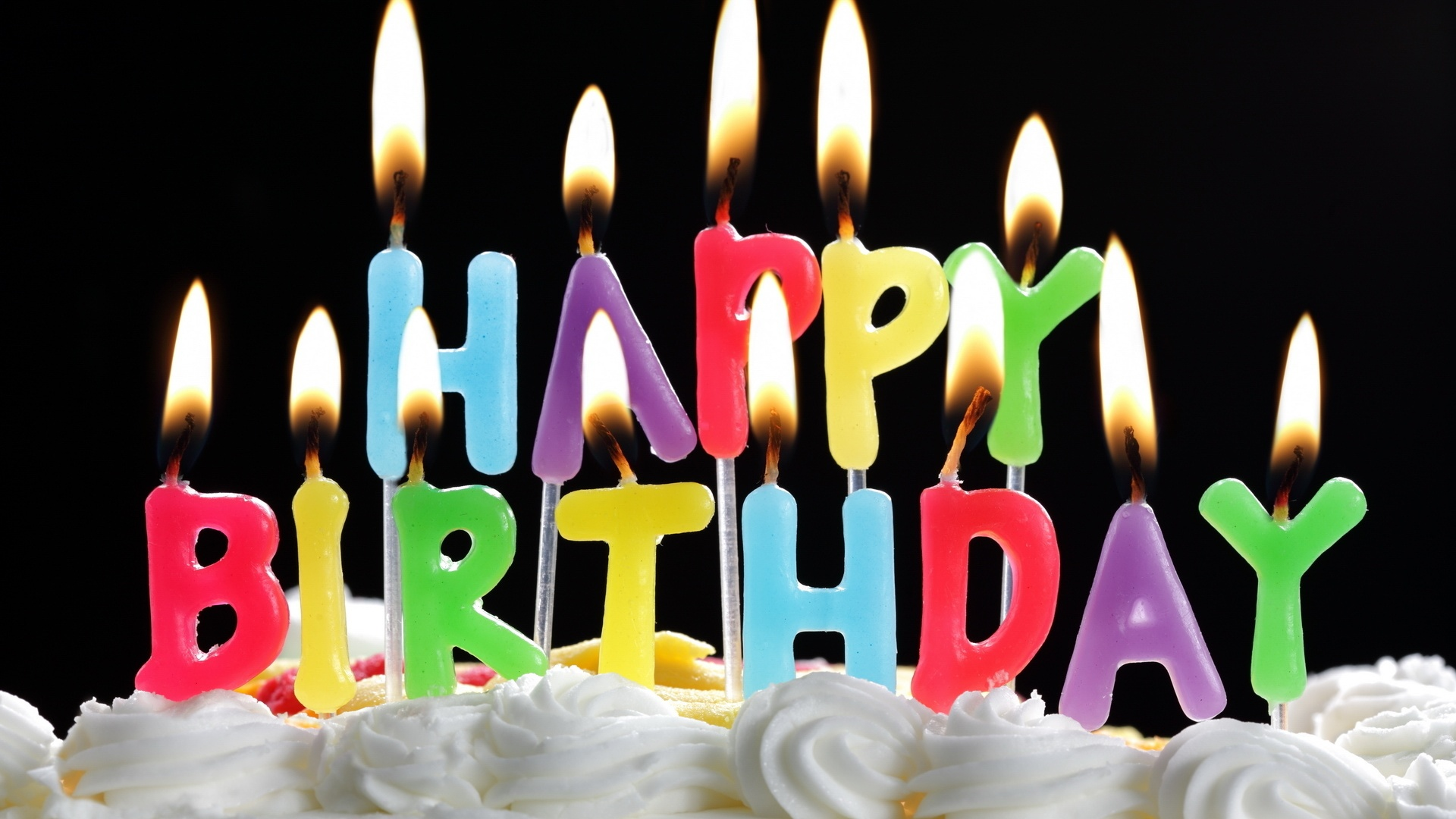 Aide choix Boitier - Page 4 Happy-Birthday-cake-and-candles_1920x1080