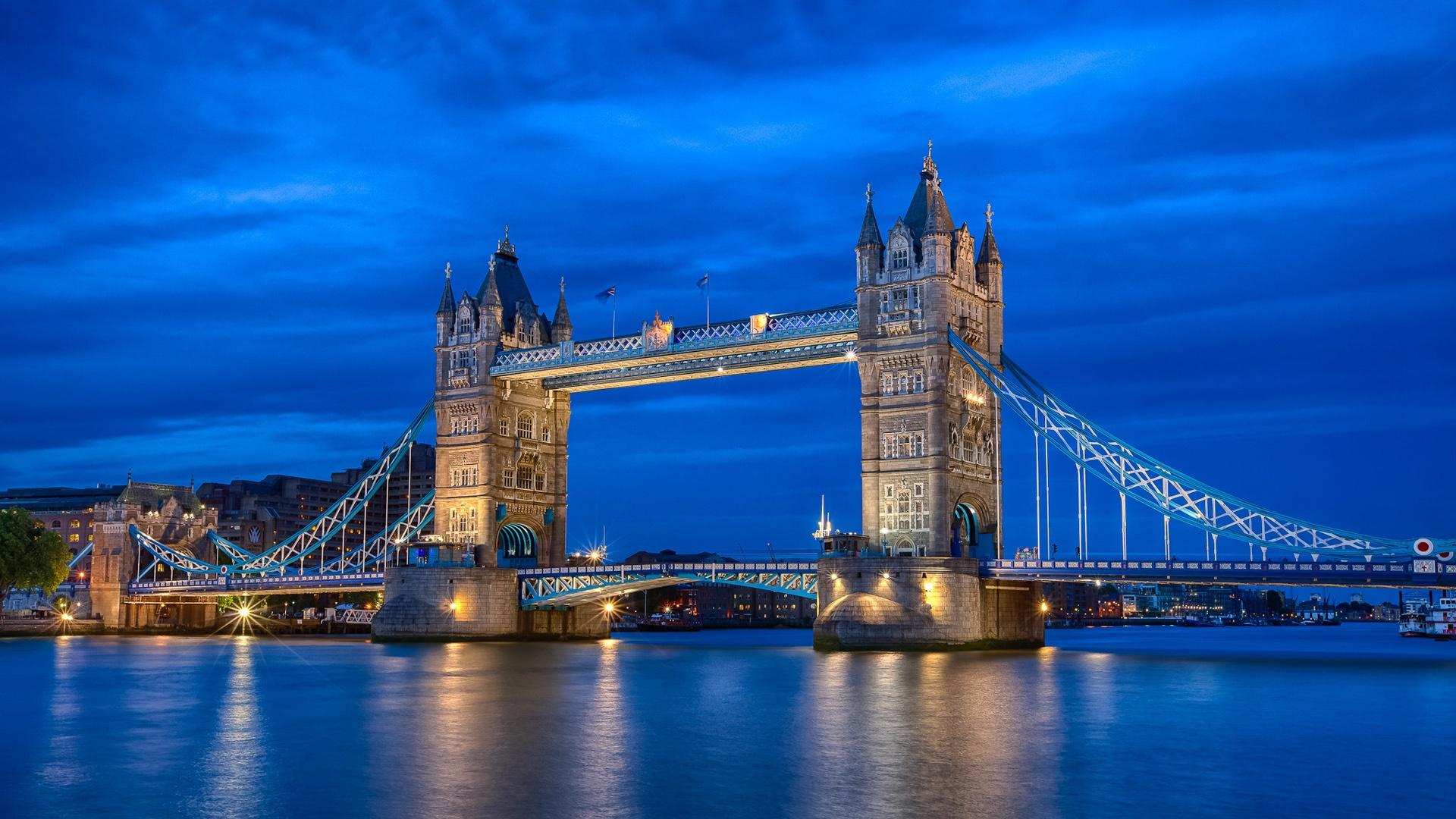 Inglaterra Londres, ciudad noche río Támesis, Tower Bridge ...