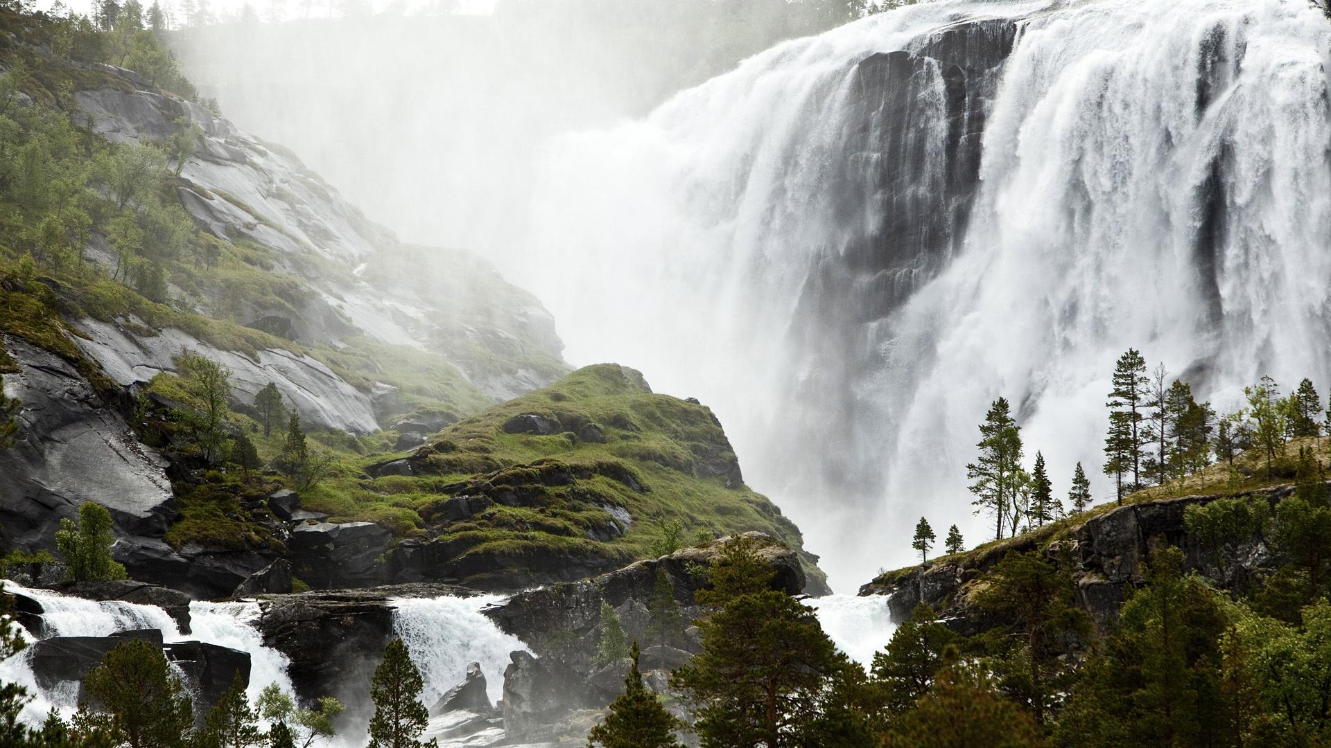 Wallpaper Spectacular Waterfall Small Sami Fishing Village