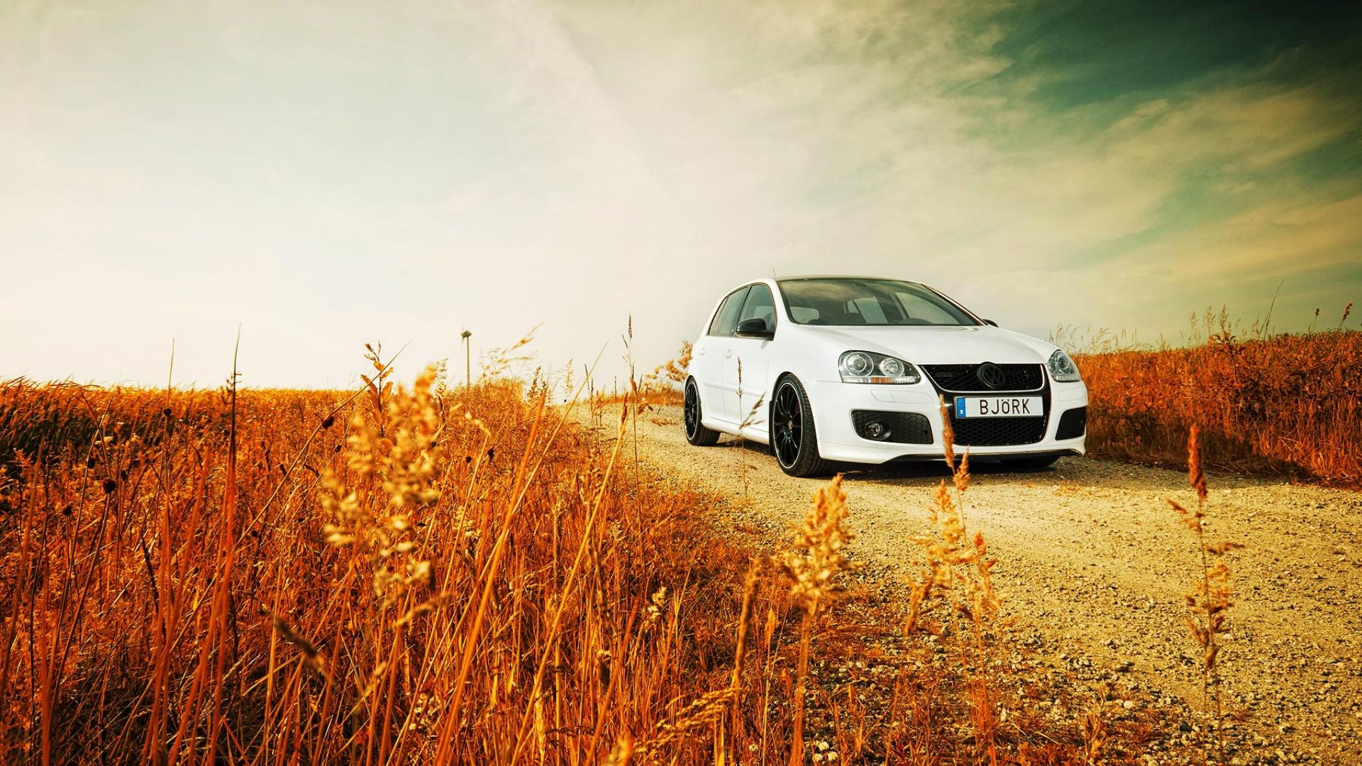 белый Volkswagen загрузить