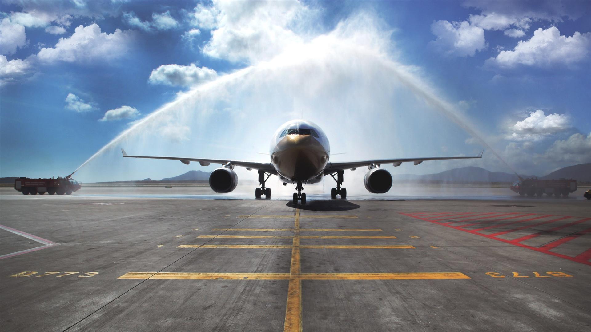 エアバスA330の旅客機、水まき、空港 壁紙 - 1920x1080   エアバスA330の旅客