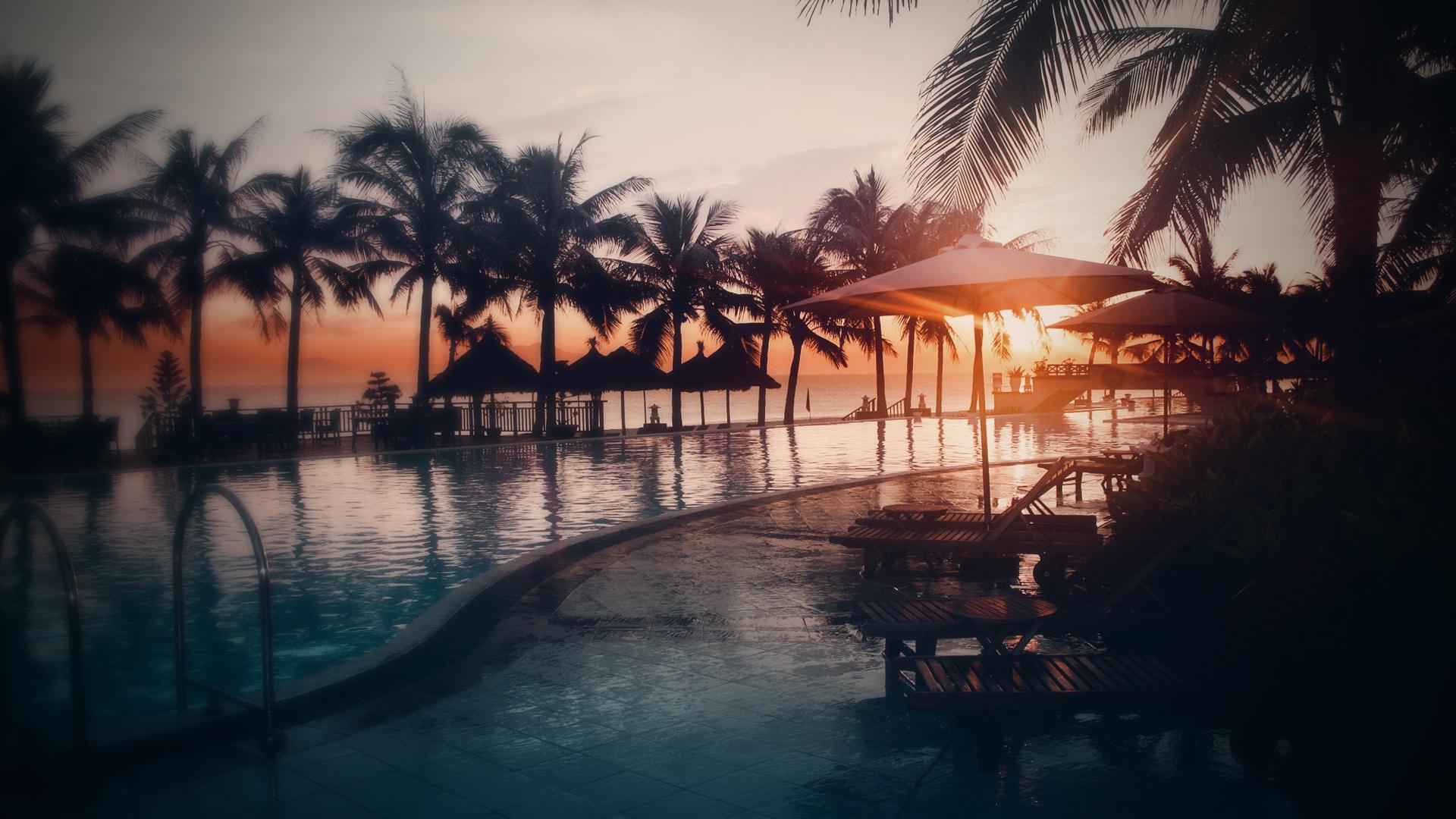 Sunset Over Beach Of Palm Trees Hd Wallpaper: Fondos De Pantalla Piscina, Agua, Playa, Mar, Palmeras