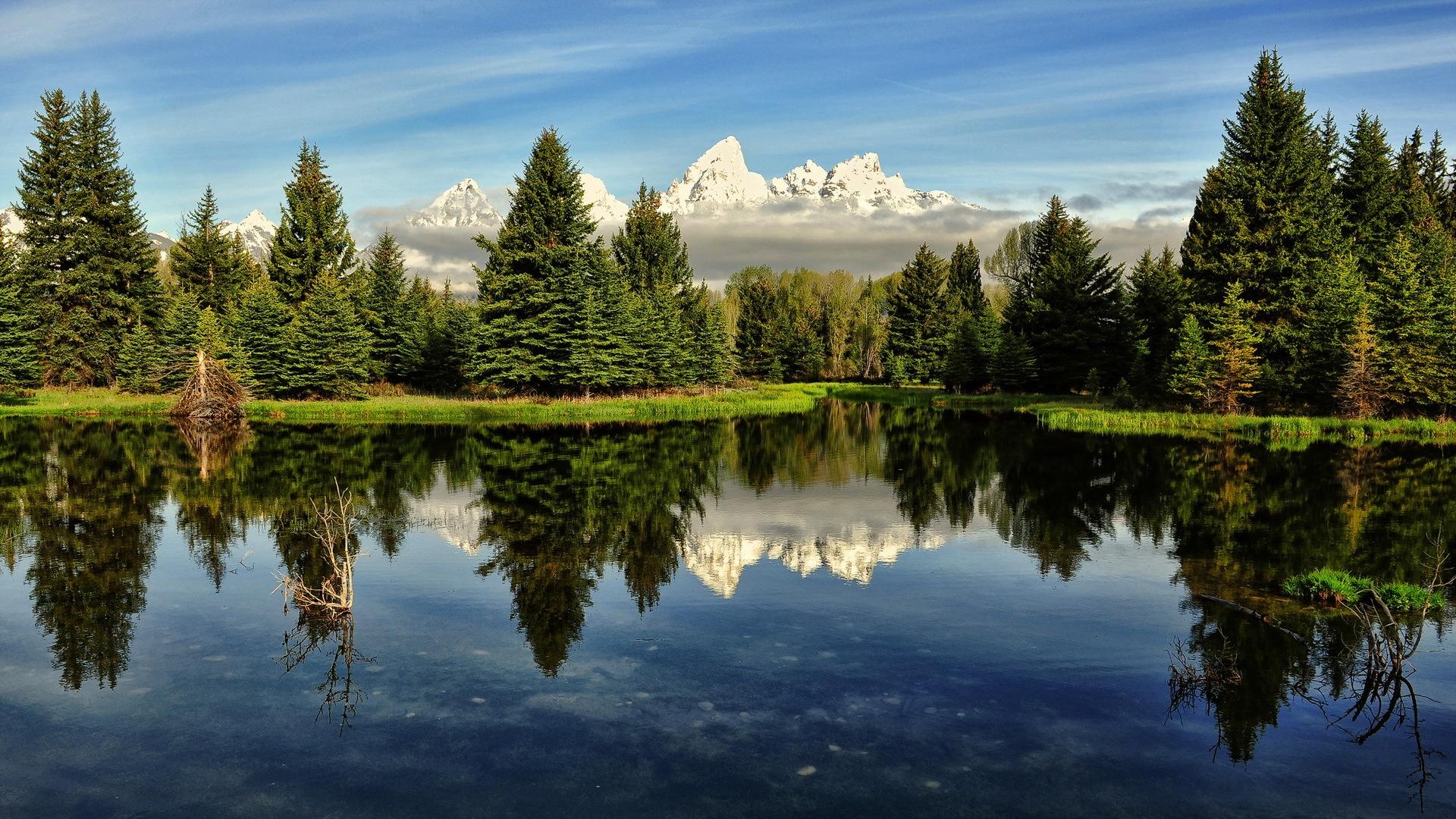 горы озеро деревья небо  № 3234875 без смс
