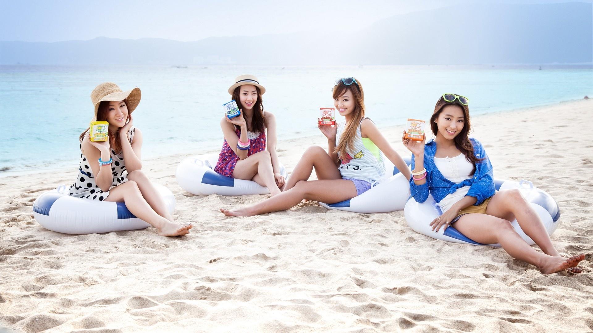 Wallpaper Sistar Beautiful Girls At Beach 1920x1080 Full Hd 2k
