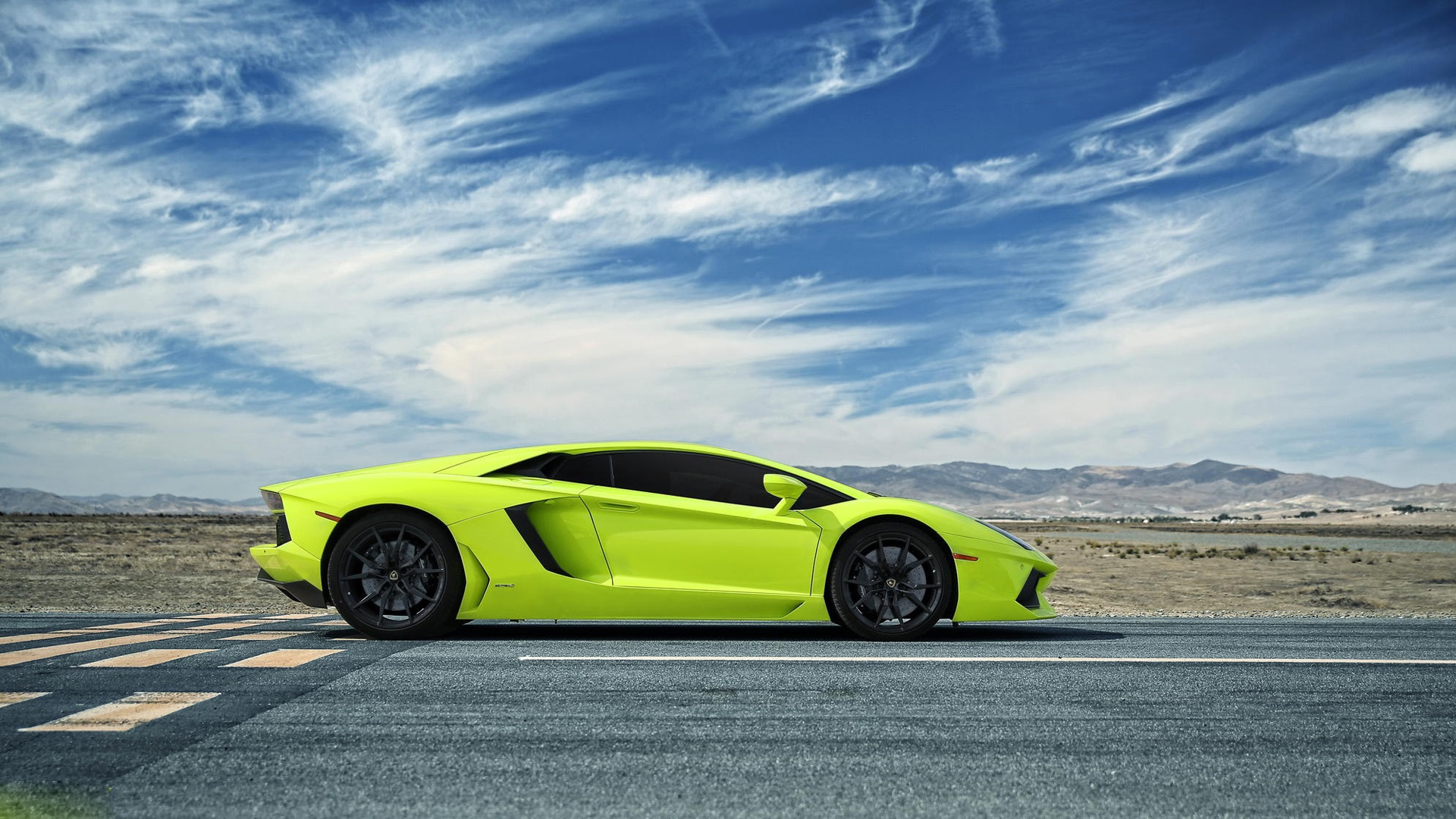 Wallpaper Lamborghini Aventador Green Supercar Side View 1920x1080