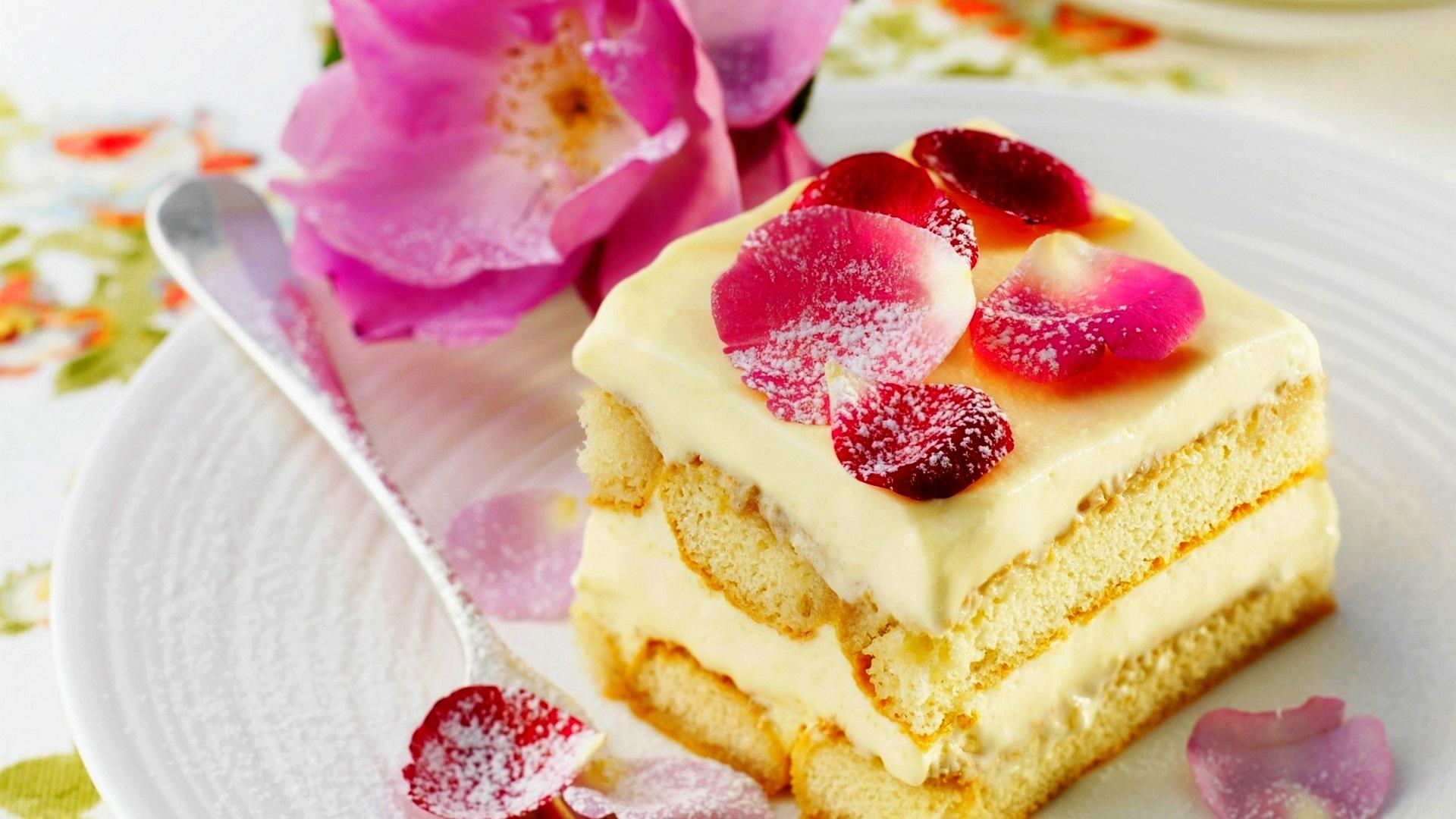 1920x1080 全高清 桌布 甜品,甜蛋糕,玫瑰花,花瓣图片