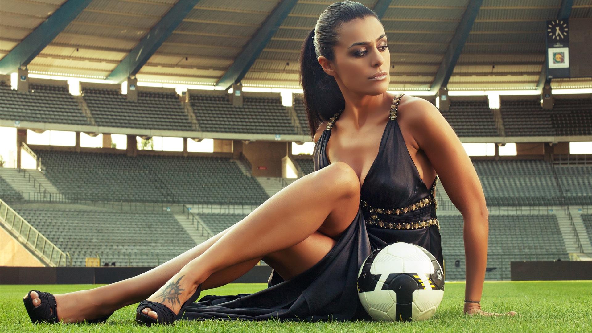 배경 화면 섹시한 여자, 축구, 경기장 2560x1600 HD 그림, 이미지