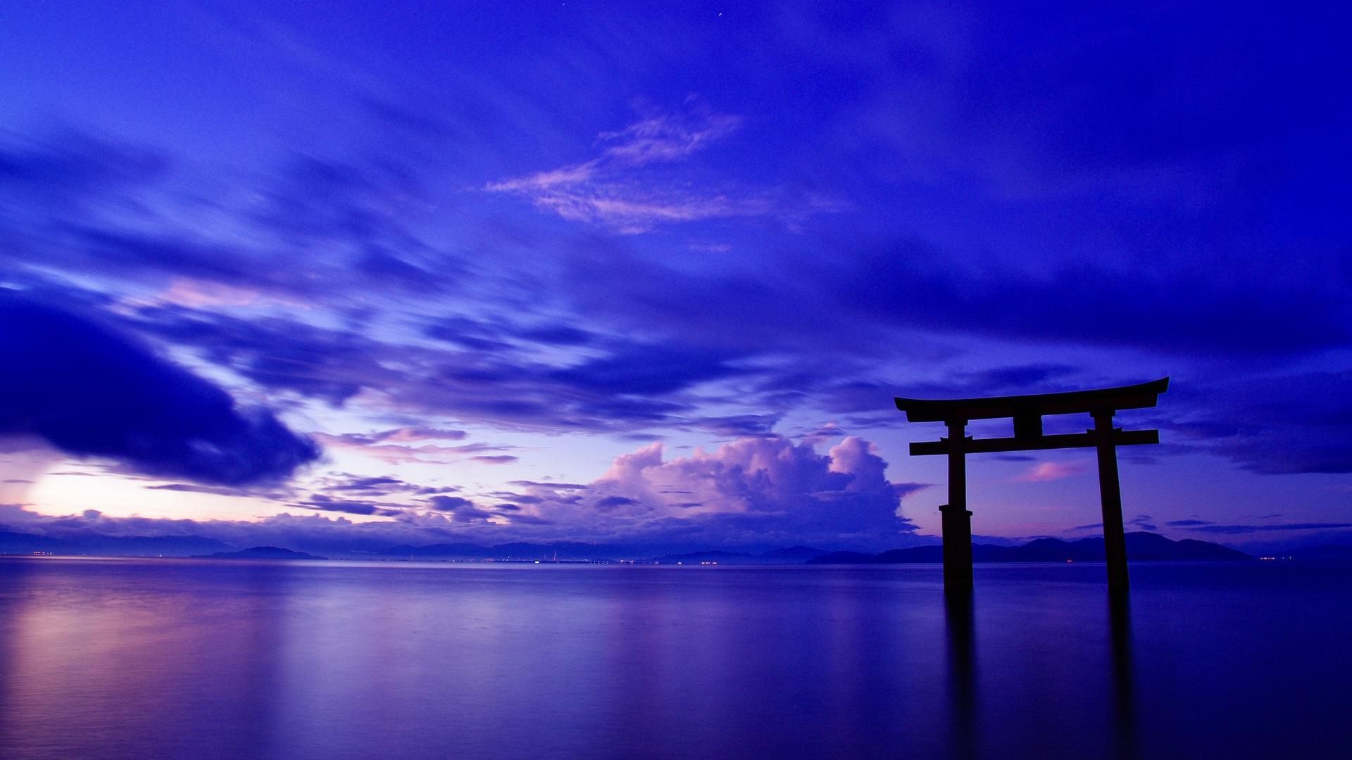 壁紙 日本 海 空 雲 門 鳥居 夕暮れ 19x10 Hd 無料のデスクトップの背景 画像