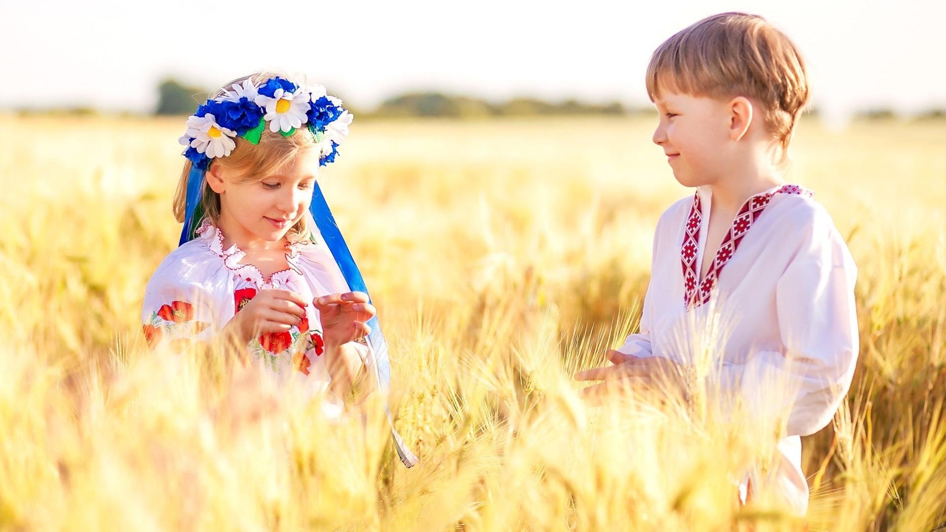 Фото детей с флагом россии