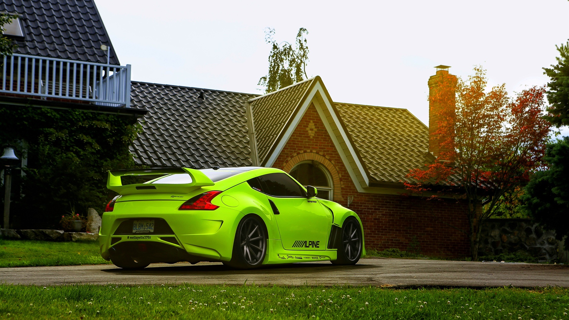 Download wallpaper 1920x1080 nissan 370z green car house for Best house wallpaper