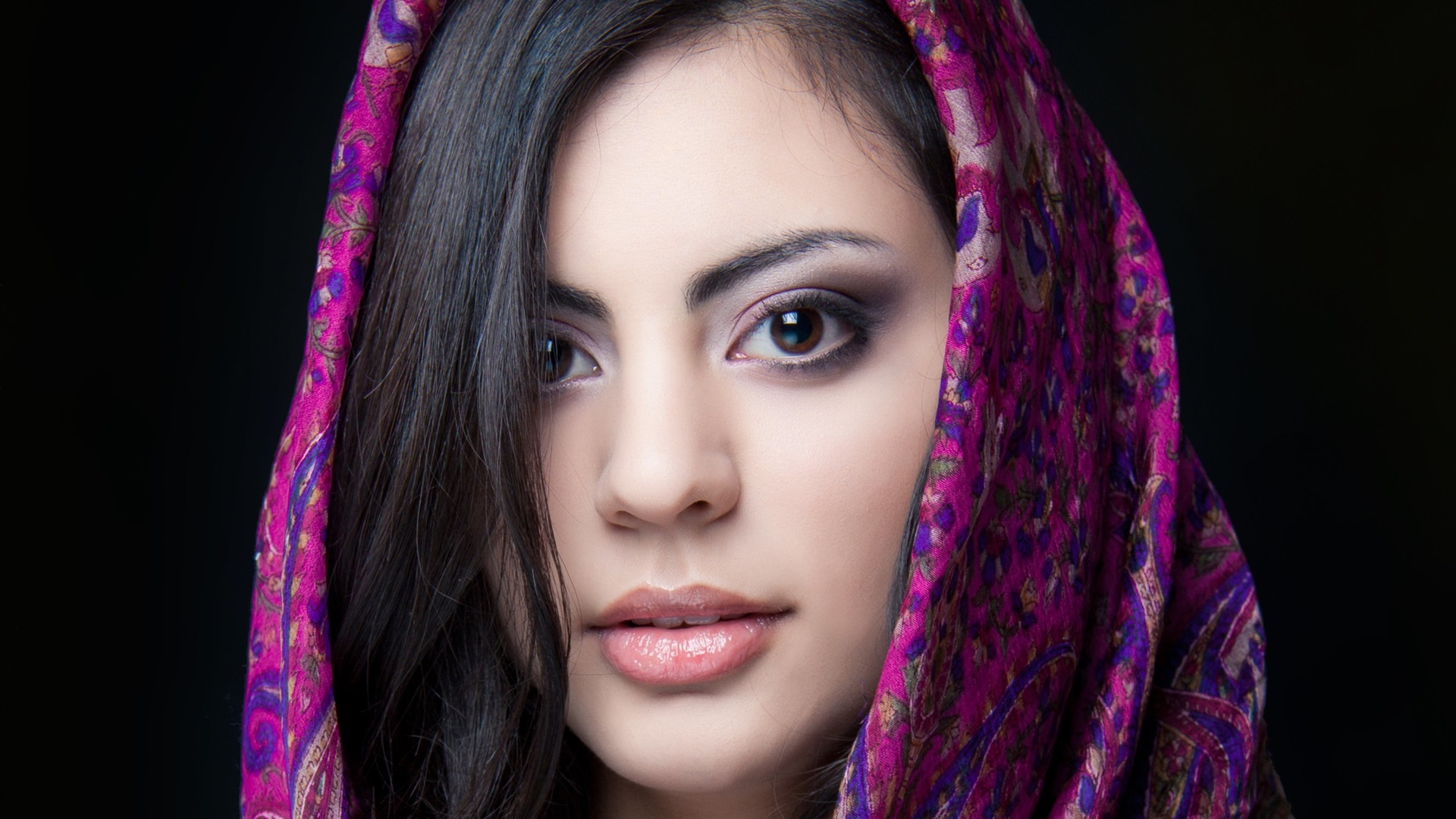 Wallpaper Beautiful Indian Girl Brown Eyes Face Scarf 2560x1600