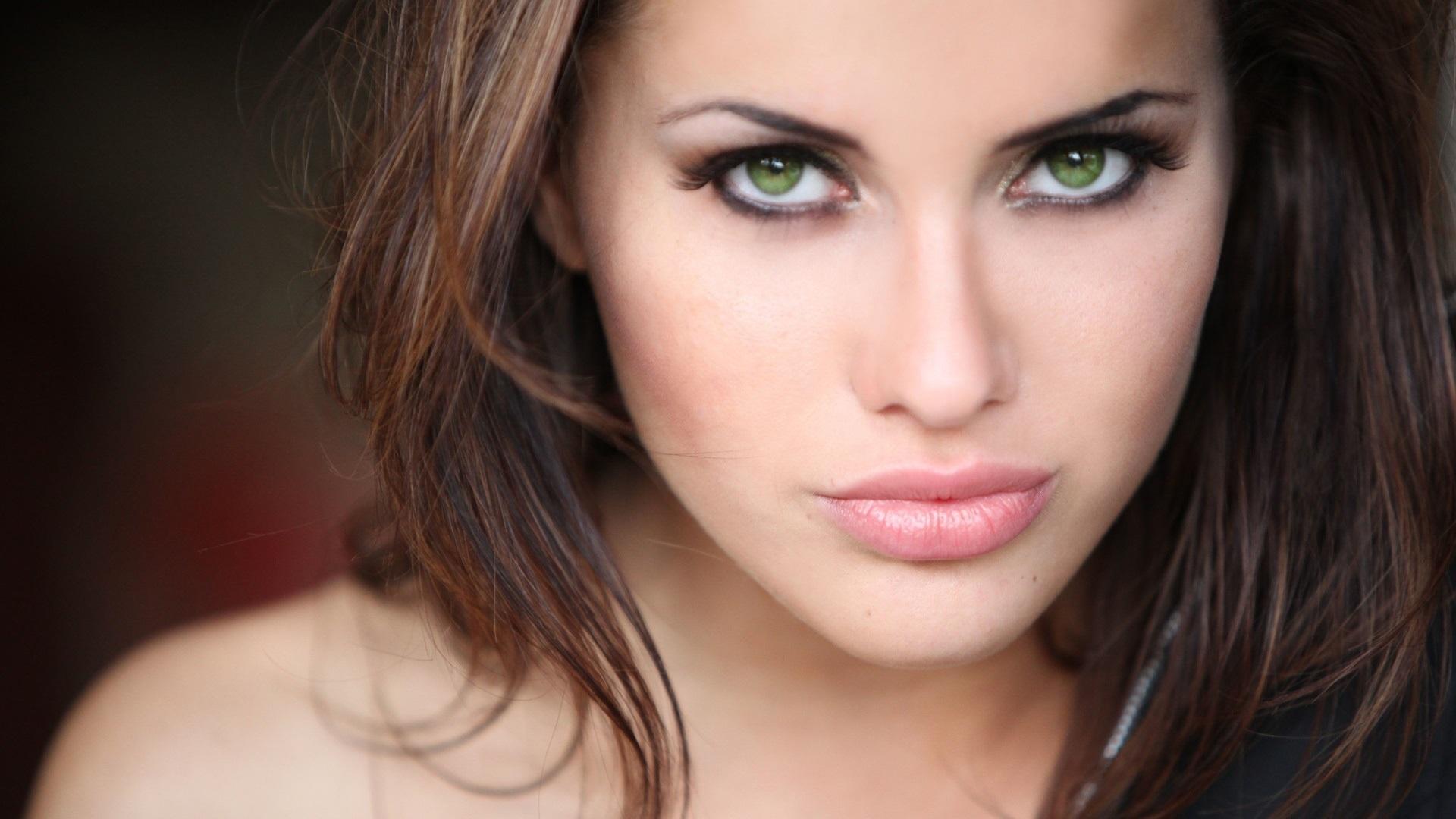 Самые светлые глаза у девушек фото