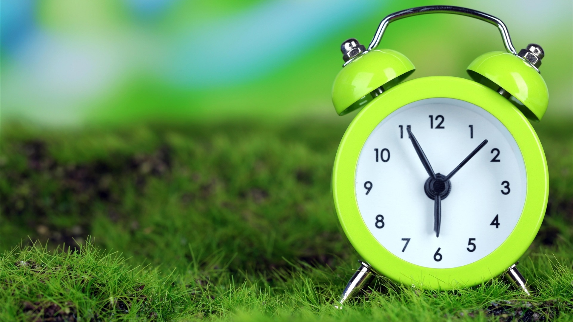 Green alarm clock 2560x1600 HD Picture