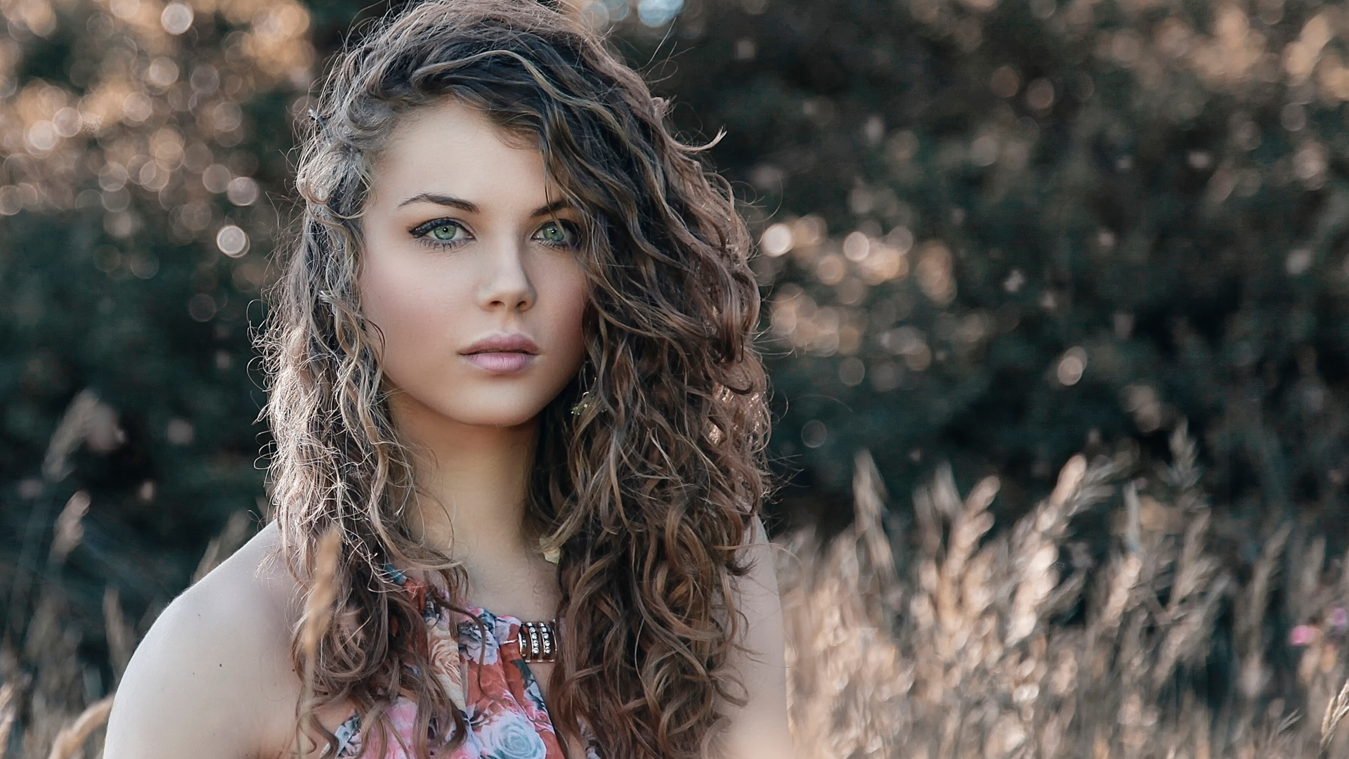Wallpaper Curly Hair Fashion Girl 1920x1200 Hd Picture Image