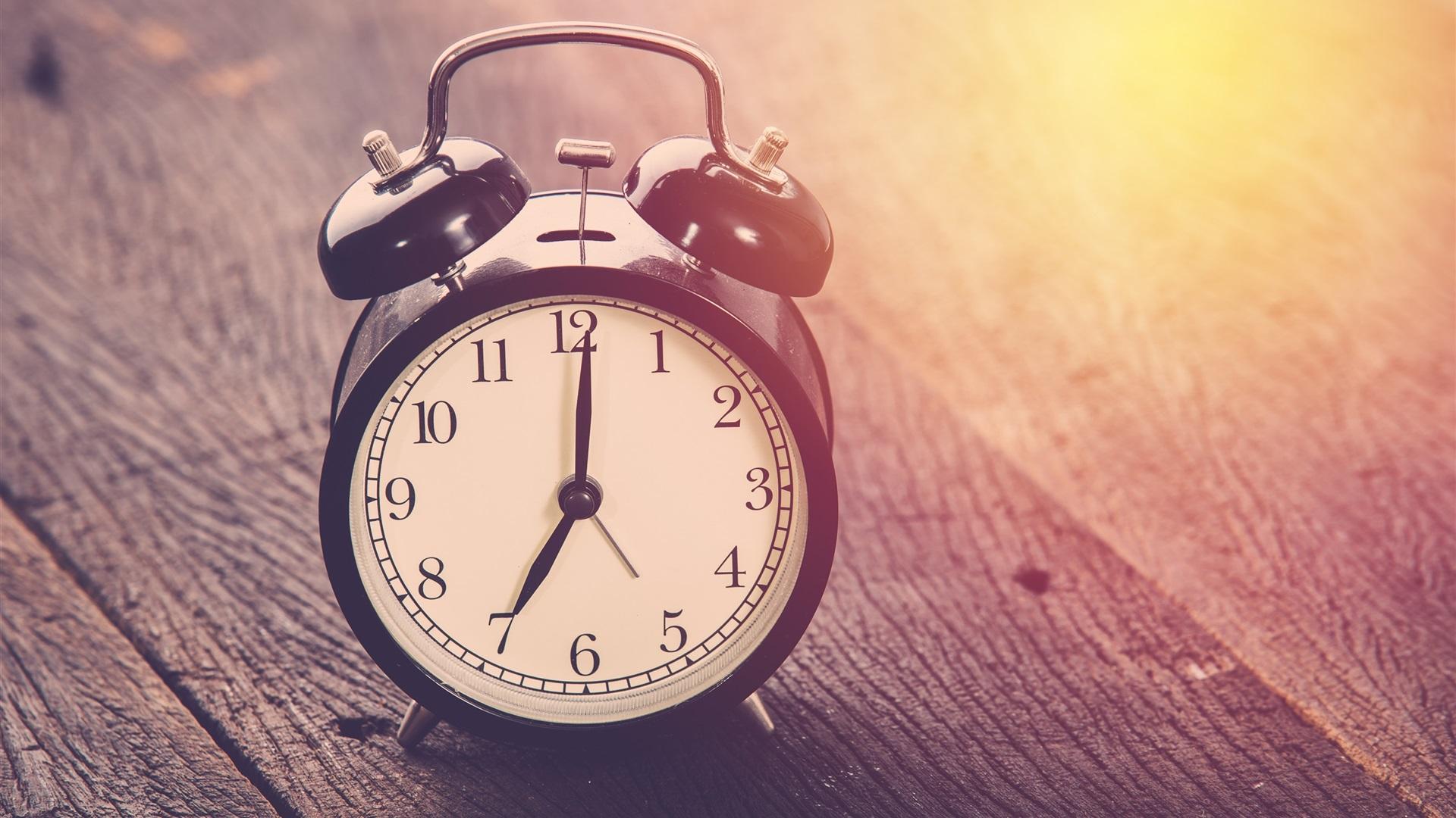 будильники часы ретро онлайн
