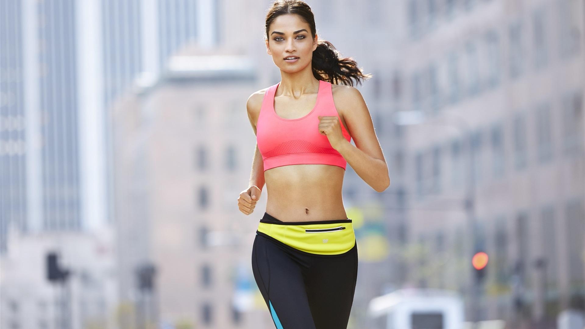 Wallpaper fitness girl running sportswear city - Wallpaper fitness women ...