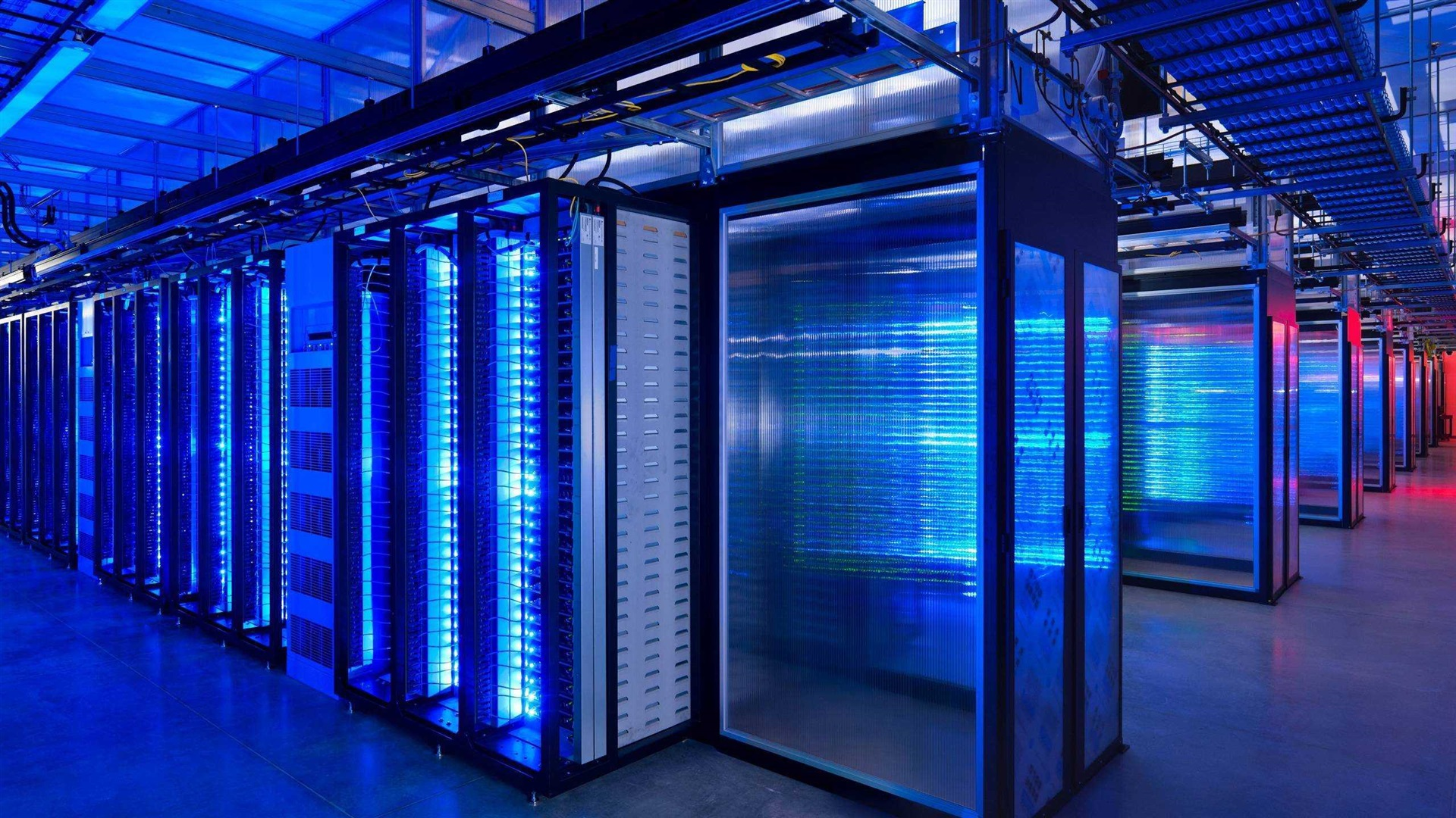 an in depth look at mainframe computers and supercomputers It's official: the united states is home to the world's fastest supercomputer but what exactly are supercomputers and why.