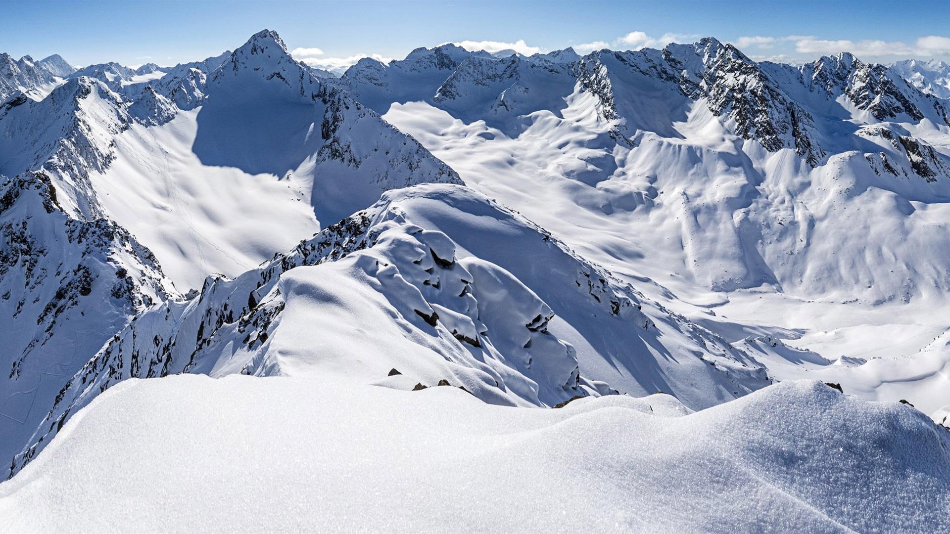 Fondo De Montañas Nevadas En Hd: Zischgeles, Alpes De Stubai, Tirol, Austria, Nieve Espesa