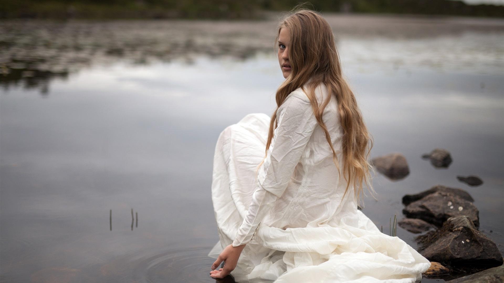 фотосессия на берегу реки холод люди карпов